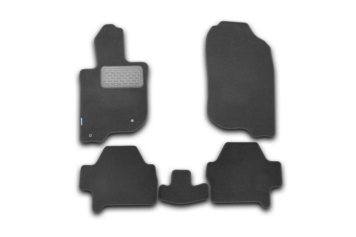 Набор автомобильных ковриков Novline-Autofamily для Mitsubishi Pajero Sport 2008-, внедорожник, в салон, 5 штNLT.35.20.11.110khНабор автомобильных ковриков Novline-Autofamily, изготовленный из текстиля, состоит из 5 ковриков, которые учитывают все особенности каждой модели автомобиля и полностью повторяют контуры пола. Текстильные автомобильные коврики для салона произведены из высококачественного материала, который держит форму, прочный и не пачкает обувь. Коврики в салон не только улучшат внешний вид салона вашего автомобиля, но и надежно уберегут его от пыли, грязи и сырости, а значит, защитят кузов от коррозии. Текстильные коврики для автомобиля мягкие и приятные, а их основа из вспененного полиуретана не пропускает влагу. Ковры для автомобилей надежно крепятся на полу и не скользят, что очень важно во время движения. Чистятся коврики очень просто: как при помощи автомобильного пылесоса, так и различными моющими средствами. Набор подходит для Mitsubishi Pajero Sport внедорожник с 2008 года выпуска.