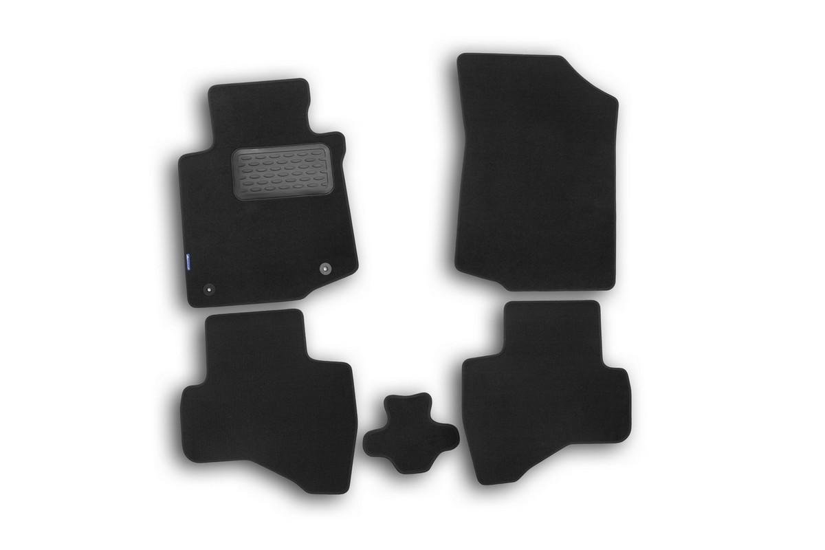 Набор автомобильных ковриков Novline-Autofamily для Peugeot 107 3D, 5D 2005-, хэтчбек, в салон, цвет: черный, 5 штNLT.38.07.22.110khНабор автомобильных ковриков Novline-Autofamily, изготовленный из текстиля, состоит из 5 ковриков, которые учитывают все особенности каждой модели автомобиля и полностью повторяют контуры пола. Текстильные автомобильные коврики для салона произведены из высококачественного материала, который держит форму, прочный и не пачкает обувь. Коврики в салон не только улучшат внешний вид салона вашего автомобиля, но и надежно уберегут его от пыли, грязи и сырости, а значит, защитят кузов от коррозии. Текстильные коврики для автомобиля мягкие и приятные, а их основа из вспененного полиуретана не пропускает влагу. Ковры для автомобилей надежно крепятся на полу и не скользят, что очень важно во время движения. Чистятся коврики очень просто: как при помощи автомобильного пылесоса, так и различными моющими средствами. Набор подходит для Peugeot 107 3D, 5D хэтчбек с 2005 года выпуска.