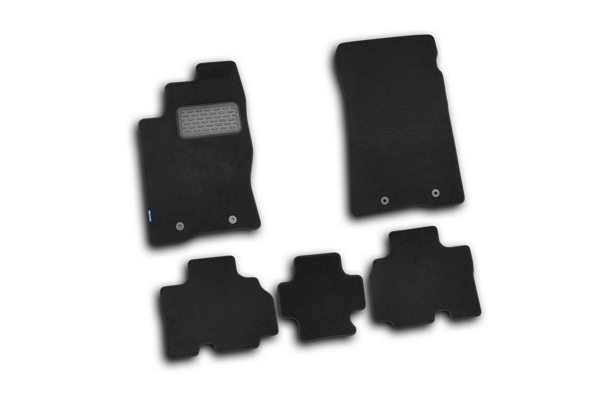 Набор автомобильных ковриков Novline-Autofamily для SsangYong Kyron 2006-, внедорожник, в салон, 5 штNLT.61.02.11.110khНабор автомобильных ковриков Novline-Autofamily, изготовленный из текстиля, состоит из 5 ковриков, которые учитывают все особенности каждой модели автомобиля и полностью повторяют контуры пола. Текстильные автомобильные коврики для салона произведены из высококачественного материала, который держит форму, прочный и не пачкает обувь. Коврики в салон не только улучшат внешний вид салона вашего автомобиля, но и надежно уберегут его от пыли, грязи и сырости, а значит, защитят кузов от коррозии. Текстильные коврики для автомобиля мягкие и приятные, а их основа из вспененного полиуретана не пропускает влагу. Ковры для автомобилей надежно крепятся на полу и не скользят, что очень важно во время движения. Чистятся коврики очень просто: как при помощи автомобильного пылесоса, так и различными моющими средствами. Набор подходит для SsangYong Kyron внедорожник с 2006 годов выпуска.