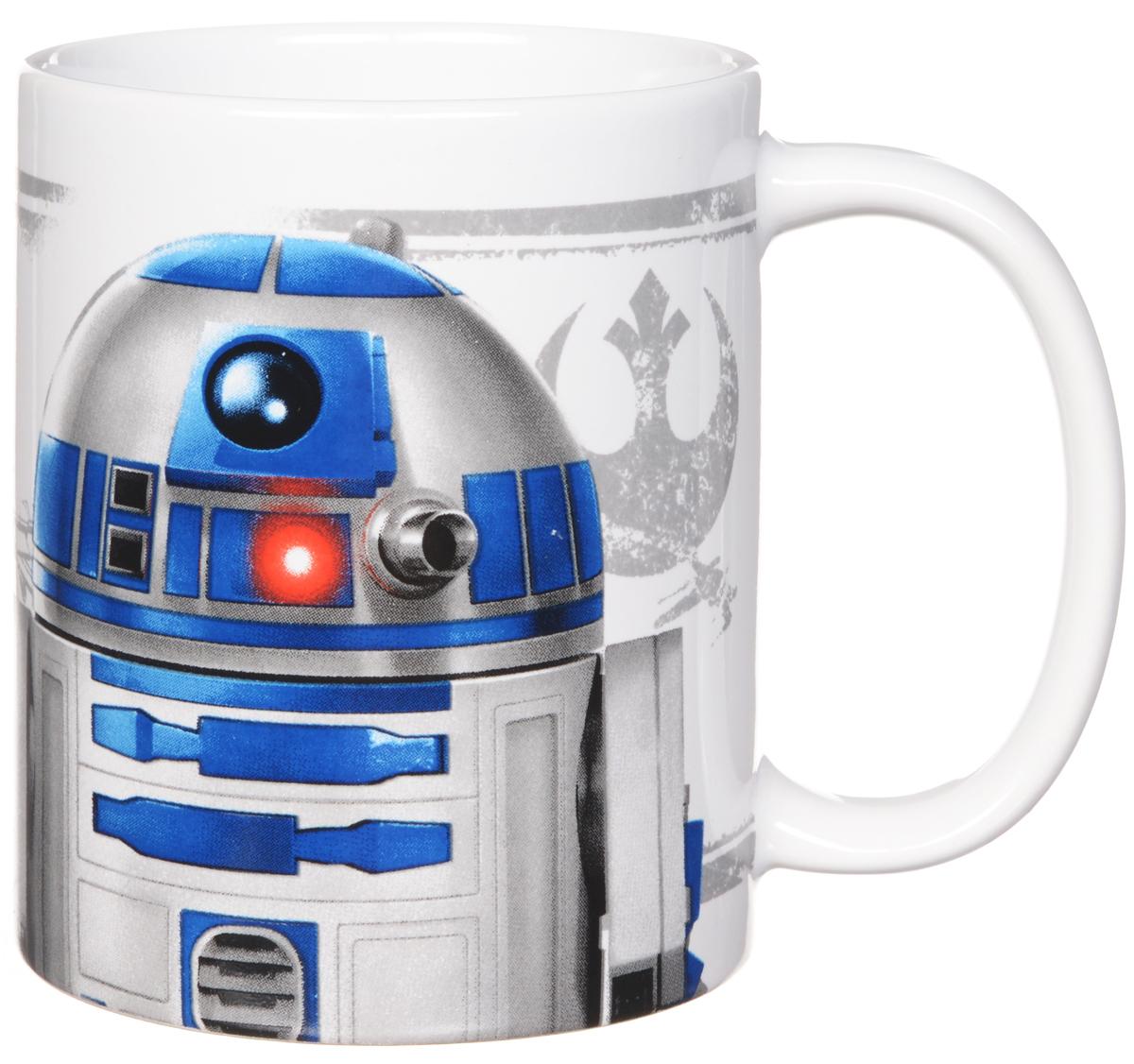 Star Wars Кружка детская R2D2 350 млSWC01-3Детская кружка Star Wars R2D2 станет отличным подарком для любого фаната знаменитой саги. Она выполнена из керамики белого цвета и оформлена рисунком с изображением одного из главных героев Звездных войн дроида R2D2. Большая ручка обеспечит удобство использования.Объем кружки: 350 мл.Подходит для использования в посудомоечной машине и СВЧ-печи.