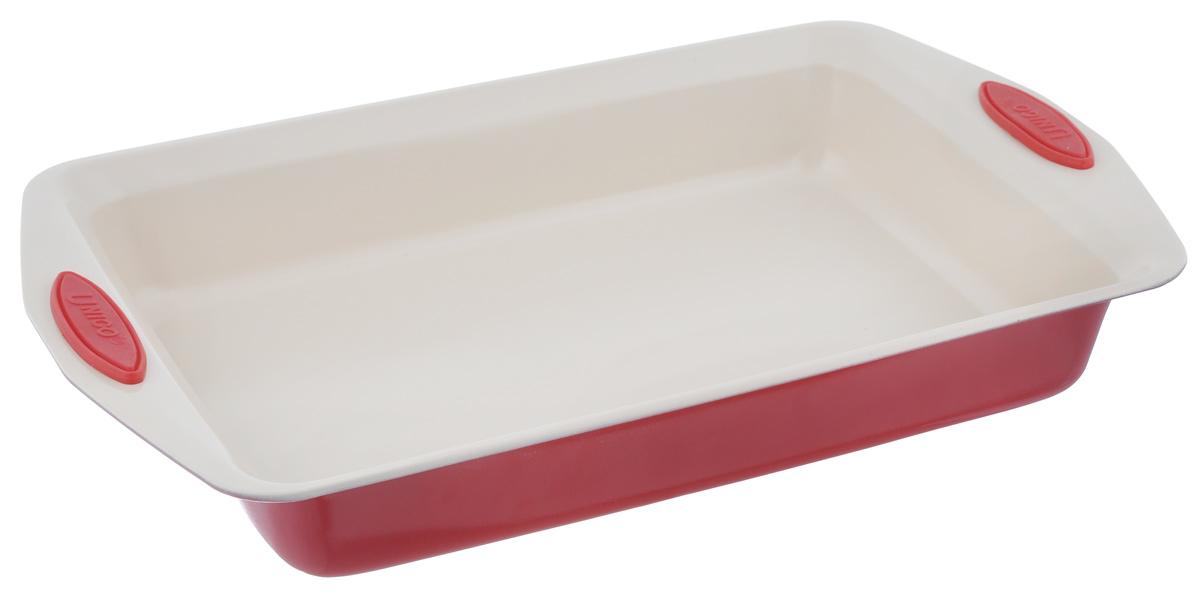Противень Mayer & Boch Unico, прямоугольный, с керамическим покрытием, цвет: красный, 41 х 25,7 х 6 см21996_красныйПротивень для запекания Mayer & Boch Unico изготовлен из высококачественной углеродистой стали с антипригарным керамическим покрытием. Жаропрочное покрытие безопасно для человека, не содержит вредных примесей PFOA и PTFE. Удобные ручки оснащены силиконовыми вставками, что позволит не использовать прихватки. Простой в уходе и долговечный в использовании противень станет верным помощником в создании ваших кулинарных шедевров. Можно использовать в духовке. Не рекомендуется мыть в посудомоечной машине. Общий размер противня: 41 см х 25,7 см х 6 см. Внутренний размер противня (без учета ручек и бортов): 34 см х 24 см.