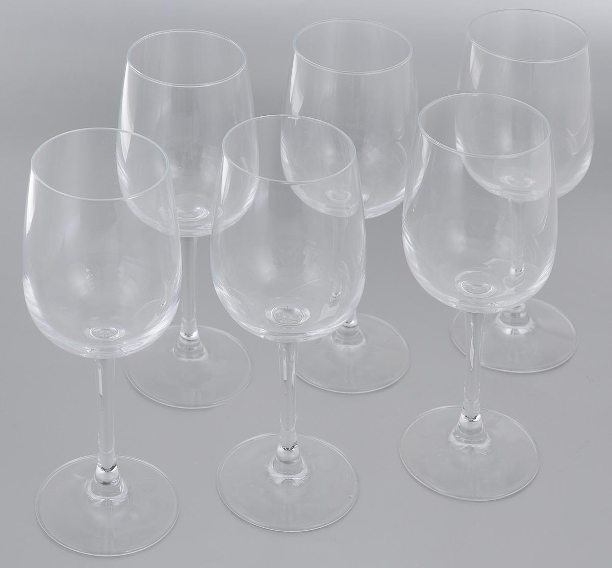 Набор фужеров для вина Luminarc Versailles, 275 мл, 6 штG1509Набор Luminarc Versailles состоит из шести фужеров, выполненных из прочного стекла. Изделия оснащены высокими ножками. Фужеры предназначены для подачи вина. Они сочетают в себе элегантный дизайн и функциональность. Благодаря такому набору пить напитки будет еще вкуснее.Набор фужеров Luminarc Versailles прекрасно оформит праздничный стол и создаст приятную атмосферу за романтическим ужином. Такой набор также станет хорошим подарком к любому случаю. Можно мыть в посудомоечной машине.Диаметр фужера (по верхнему краю): 6 см. Высота фужера: 19,5 см.