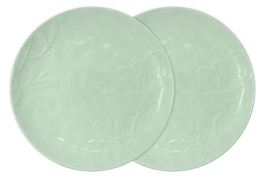 Набор обеденных тарелок SantaFe Птицы, 2 штSL-SP15072gr-ALНабор обеденных тарелок изготовлен из высококачественной керамики, сочетают в себе изысканный дизайн с максимальной функциональностью. Они идеально подходят для сервировки стола и подачи закусок, солений и других блюд. Такие тарелки прекрасно впишутся в интерьер вашей кухни и станут достойным дополнением к кухонному инвентарю. Концепция выпускаемой продукции заключается в создании единой дизайнерской линии предметов сервировки стола и оформления интерьера кухни или столовой. Компания тщательно следит за модными трендами и ежегодно представляет коллекции, которые отличаются оригинальным декором и стильным дизайном. Хит этого года – пастельные тона (кремовый, розовый и мятно-зеленый), объемные формы, а также рельеф в виде птиц. Легкость в эксплуатации – еще одно неоспоримое преимущество продукции компании SantaFe.Посуду можно ставить в микроволновую печь и мыть в посудомоечной машине. Прочная глазурь даже по прошествии времени не теряет свой цвет и глянцевый блеск.