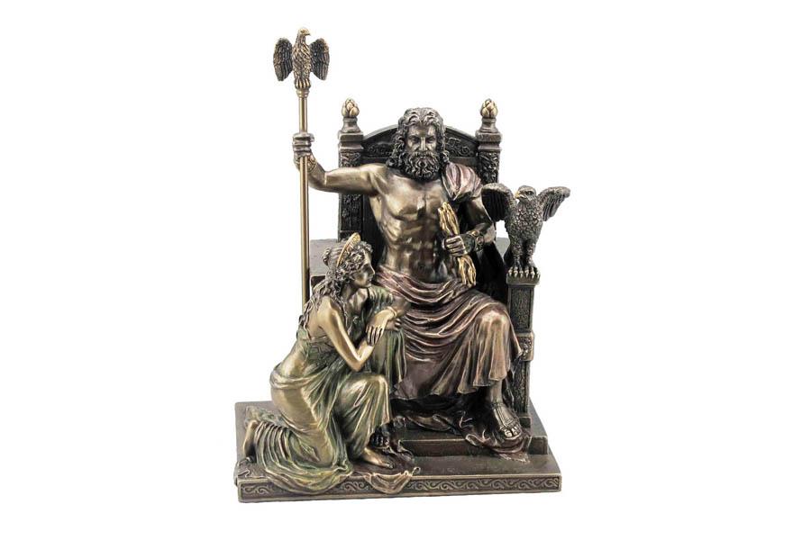 Статуэтка Veronese Зевс и Гера на троне, высота 28 смVWU76068A4ALДекоративная статуэтка Veronese Зевс и Гера на троне изготовлена из полистоуна бронзового цвета. Полистоун - это прочный полимерный материал, который абсолютно не токсичен. Вы можете поставить статуэтку в любом месте, где она будет удачно смотреться и радовать глаз. Такая фигурка прекрасно дополнит интерьер офиса или дома.Veronese - это торговая марка, представляющая широкий ассортимент художественных изделий из полистоуна, выполненных по эскизам итальянских дизайнеров и художников.