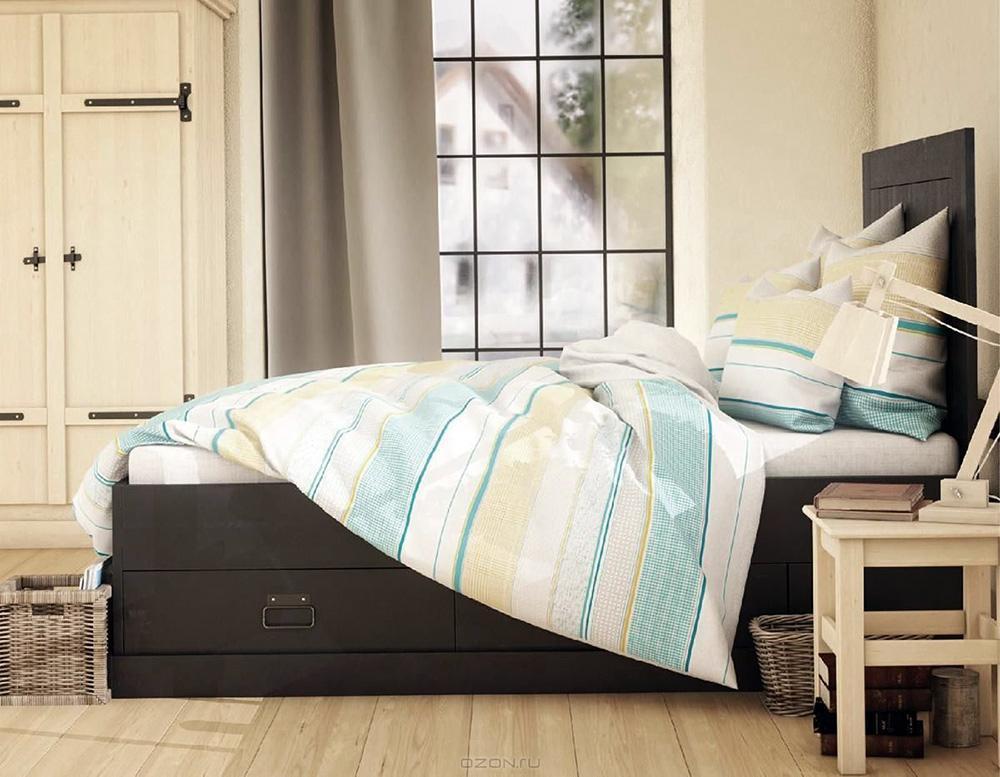 """Комплект белья Волшебная ночь """"Фьерд"""" состоит из пододеяльника, простыни, двух наволочек на спальные подушки и двух наволочек на подушки-думочки. Комплект выполнен из сатина - плотной ткани с мягким грифом. Изделия оформлены красивым рисунком в стиле лофт, который сделает спальню модной и стильной. Сатин - это натуральная ткань, которая производится из хлопкового волокна. Полотно этого материала весьма приятное на ощупь. Кроме этого, его отличие состоит в своеобразном блеске. Сатин обладает высокой прочностью и стойкостью к выцветанию, выдерживает большое количество стирок. Рекомендации по уходу: - Машинная и ручная стирка при температуре 60°C,- Не отбеливать, - Гладить при высокой температуре, - Сушить в стиральной машине при средней температуре, - Химчистка запрещена.      Советы по выбору постельного белья от блогера Ирины Соковых. Статья OZON Гид"""