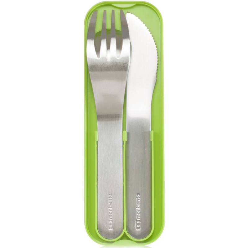 Набор столовых приборов Monbento Pocket, в футляре, цвет: зеленый, 3 предмета. 1007 01 0051007 01 005Обедайте где угодно - на пикнике, в парке, во время шоппинга. Главное - есть здоровую еду по расписанию, и чтобы ничего не помешало, возьмите с собой набор из трех столовых приборов Monbento Pocket! Вилка, ложка и ножичек помещаются в футляр, который соответствует размерам крышки ланч-боксов MB Original и MB Single. То есть он легко и компактно помещается между ней и основным контейнером! Вы сможете брать его с собой куда угодно. Приборы изготовлены из нержавеющей стали. Можно мыть в посудомоечной машине.