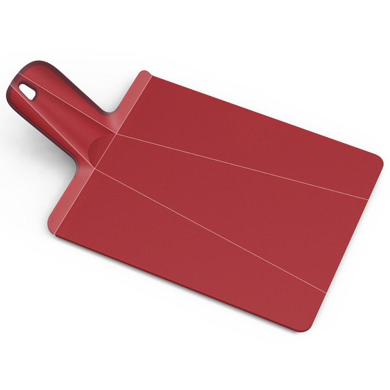 Доска разделочная Chop2Pot Plus средняя красная. NSR016SWNSR016SWЗнаменитая складная доска теперь даже лучше! Теперь с покрытием, которое защитит ваши ножи от повреждений. Ручка с прорезиненными концами создает максимальный комфорт при использовании. Всем знакомо, как неудобно сыпать порезанные овощи в кастрюлю – вы обязательно растеряете кусочки. Но с этим приспособлением вы одним движением превратите разделочную доску в удобный совок, и все нарезанные продукты попадут прямо по назначению!Можно мыть в посудомоечной машине.