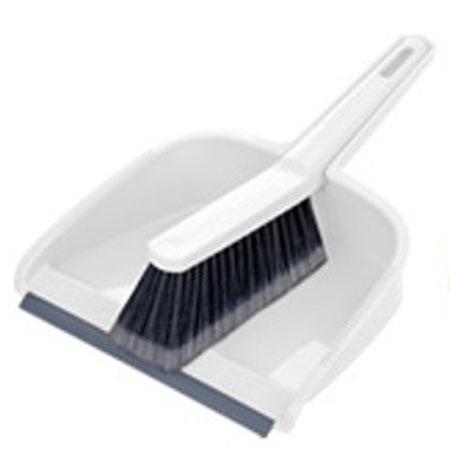 Набор для уборки Tescoma Clean Kit, цвет: белый, серый, 2 предмета900688Набор для уборки Tescoma Clean Kit состоит из совка и щетки, изготовленных извысококачественного пластика. Вместительный совок удерживаетсобранный мусор, позволяет эффективно и быстро совершать уборку в любомпомещении. Прорезиненный край совка обеспечивает наиболее плотное прилегание кполу. Щетка имеет удобную форму, позволяющую вымести мусор даже изтруднодоступных мест. Совок и щетка оснащены ручками с отверстиямидля подвешивания. С набором Tescoma Clean Kit уборка станет легче и приятнее.Общая длина щетки: 25 см.Размер рабочей части щетки: 12,5 см х 4,5 см х 5,5 см.Общая длина совка: 29,5 см.Размер рабочей части совка: 21,5 см х 17,5 см х 6 см.