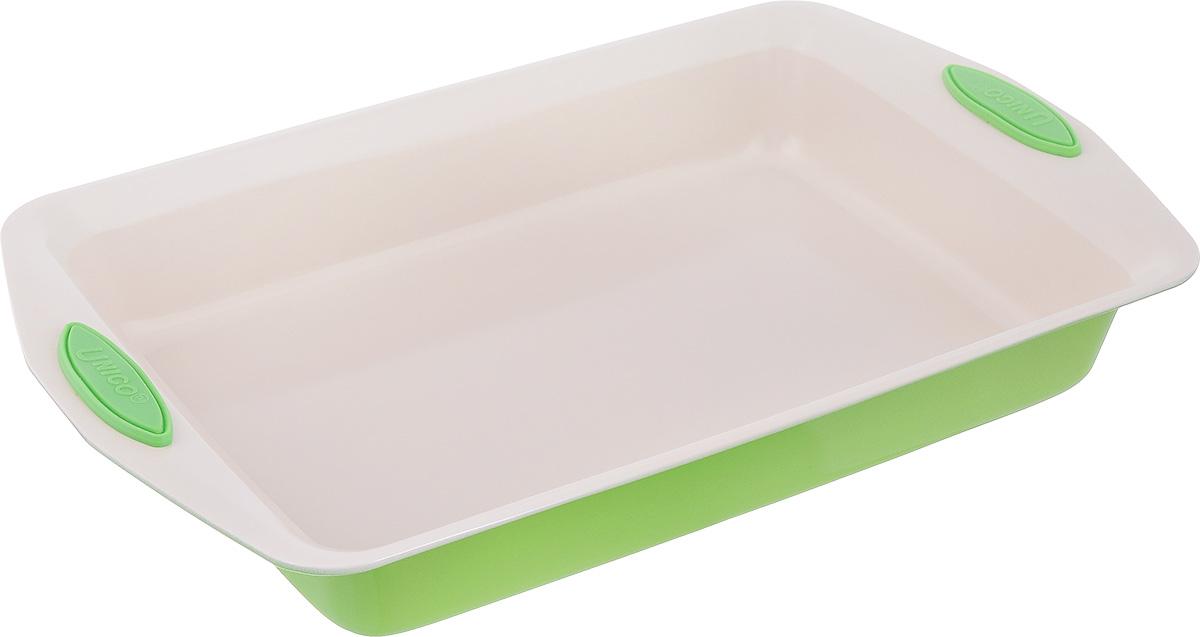 Противень Mayer & Boch Unico, прямоугольный, с керамическим покрытием, цвет: салатовый, 41 х 25,7 х 6 см21996_салатовыйПротивень для запекания Mayer & Boch Unico изготовлен из высококачественной углеродистой стали с антипригарным керамическим покрытием. Жаропрочное покрытие безопасно для человека, не содержит вредных примесей PFOA и PTFE. Удобные ручки оснащены силиконовыми вставками, что позволит не использовать прихватки. Простой в уходе и долговечный в использовании противень станет верным помощником в создании ваших кулинарных шедевров. Можно использовать в духовке. Не рекомендуется мыть в посудомоечной машине. Общий размер противня: 41 см х 25,7 см х 6 см. Внутренний размер противня (без учета ручек и бортов): 34 см х 24 см.
