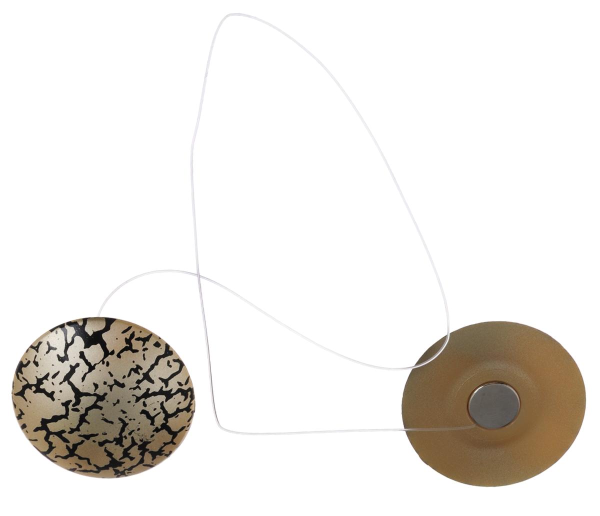 Клипсы магнитные для штор SmolTtx Трещины, с леской, цвет: бежевый, черный, , длина 33,5 см, 2 шт544091_6ЕМагнитные клипсы SmolTtx Трещины предназначены для придания формы шторам. Изделие представляет собой соединенные леской два элемента, на внутренней поверхности которых расположены магниты.С помощью такой клипсы можно зафиксировать портьеры, придать им требуемое положение, сделать складки симметричными или приблизить портьеры, скрепить их.Следует отметить, что такие аксессуары для штор выполняют не только практическую функцию, но также являются одной из основных деталей декора, которая придает шторам восхитительный, стильный внешний вид. Длина клипсы (с учетом лески): 33,5 см. Диаметр клипсы: 3,5 см.