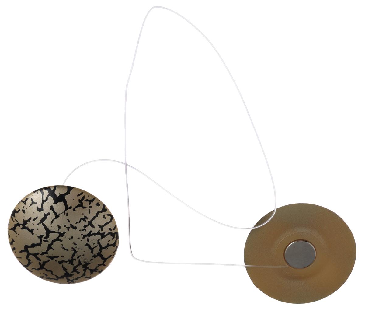 Клипсы магнитные для штор SmolTtx Трещины, с леской, цвет: темно-бежевый, черный, длина 33,5 см, 2 шт544091_19ЕМагнитные клипсы SmolTtx Трещины предназначены для придания формы шторам. Изделие представляет собой соединенные леской два элемента, на внутренней поверхности которых расположены магниты.С помощью такой клипсы можно зафиксировать портьеры, придать им требуемое положение, сделать складки симметричными или приблизить портьеры, скрепить их.Следует отметить, что такие аксессуары для штор выполняют не только практическую функцию, но также являются одной из основных деталей декора, которая придает шторам восхитительный, стильный внешний вид. Длина клипсы (с учетом лески): 33,5 см. Диаметр клипсы: 3,5 см.