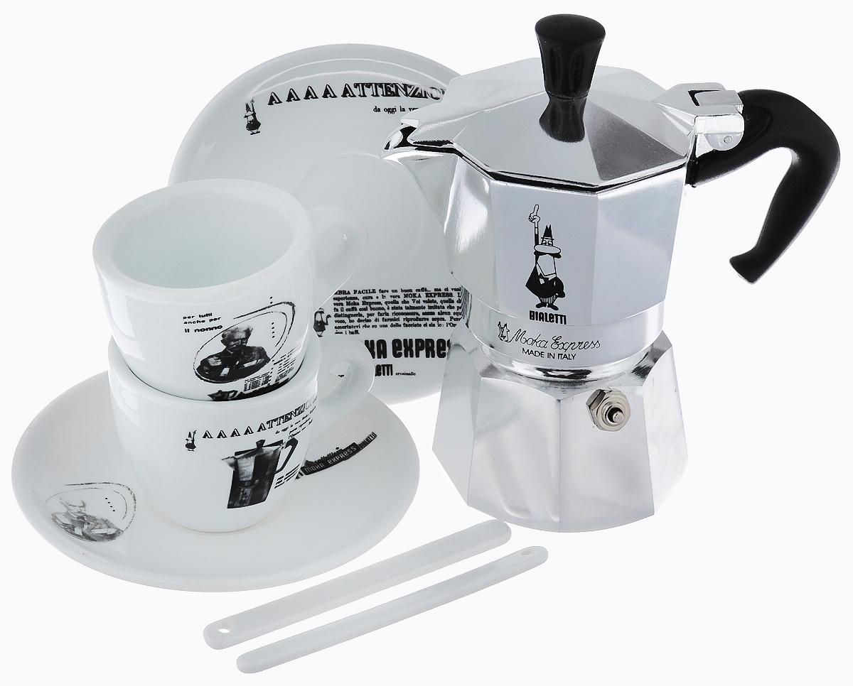 Набор посуды Bialetti Moka Carosello, 7 предметов4960Набор посуды Bialetti Moka Carosello включает в себя гейзерную кофеварку, 2 кофейные чашки, 2 блюдца и 2 ложечки для перемешивания.Компактная гейзерная кофеварка изготовлена из высококачественного алюминия. Изделие оснащено удобной ручкой из пластика. Остальные предметы набора выполнены из керамики.Принцип работы такой гейзерной кофеварки - кофе заваривается путем многократного прохождения горячей воды или пара через слой молотого кофе. Удобство кофеварки в том, что вся кофейная гуща остается во внутренней емкости. Гейзерные кофеварки пользуются большой популярностью благодаря изысканному аромату. Кофе получается крепкий и насыщенный. Теперь и дома вы сможете насладиться великолепным эспрессо. Подходит для газовых, электрических и стеклокерамических плит. Нельзя мыть в посудомоечной машине. Высота кофеварки: 15 см.Диаметр дна кофеварки: 7 см.Диаметр чашек по верхнему краю: 6,2 см.Диаметр дна кружек: 3,5 см.Высота кружек: 5 см.Диаметр блюдец: 12 см.Длина ложечек: 10,4 см.