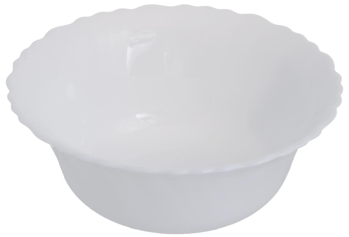 Салатник Chinbull, диаметр 15,5 смOLHW-60Салатник Chinbull выполнен из высококачественной стеклокерамики в классическом стиле. Онпрекрасно впишется в интерьер вашей кухни истанет достойным дополнением к кухонному инвентарю. Салатник Chinbull не только украсит ваш кухонный стол и подчеркнет прекрасный вкус хозяйки,но и станет отличным подарком.Можно использовать в посудомоечной машине и СВЧ.Диаметр (по верхнему краю): 15,5 см.Высота стенки: 6 см.