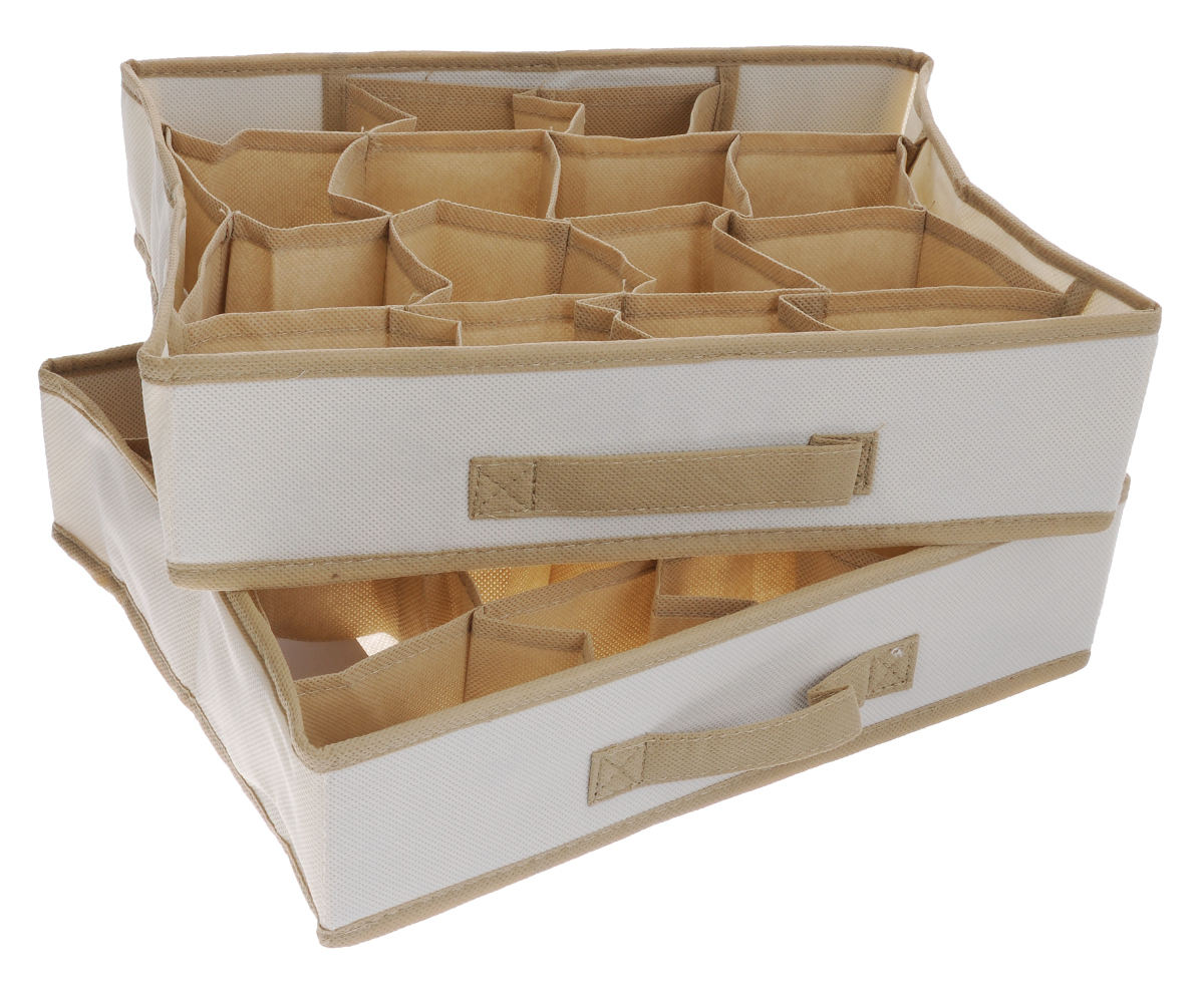 Чехол-коробка для одежды Cosatto Voila, цвет: бежевый, 16 отделений, 2 штCOVLCST002_бежевыйЧехол-коробка Cosatto Voila поможет легко и красиво организовать пространство в кладовой, спальне или гардеробе. Изделие выполнено из дышащего нетканого материала (полипропилен). Практичный и долговечный чехол оснащен 16 отделениями для более экономичного использования пространства шкафов и комодов. Нижнее белье, купальники, ремни и прочие мелкие предметы будут всегда находиться на своем месте. Прочность каркаса обеспечивается наличием плотных листов картона.Складная конструкция обеспечивает компактное хранение.Размер отделения: 9 см х 8 см х 9 см.