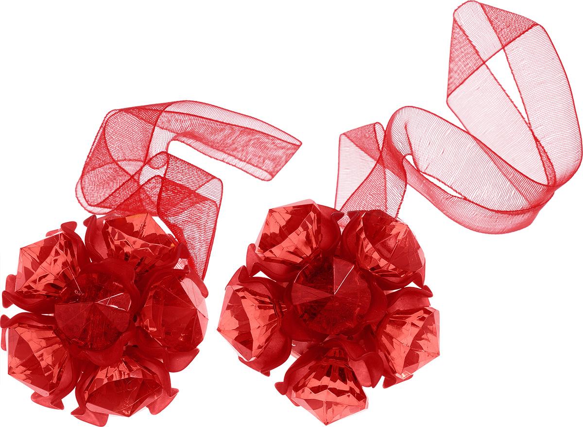 Клипса-магнит для штор Астра, цвет: красный, 2 шт7713413_8055 краcныйКлипса-магнит Астра, изготовленная из акрила итекстиля, предназначена для придания формышторам. Изделие представляет собой два магнита,расположенные на разных концах текстильнойленты. Один из магнитов оформлен декоративнымцветком. С помощью такой магнитной клипсы можнозафиксировать портьеры, придать им требуемоеположение, сделать складки симметричными илиприблизить портьеры, скрепить их.Клипсы для штор являются универсальнымизделием, которое превосходно подойдет как дляштор в детской комнате, так и для штор в гостиной.Следует отметить, что клипсы для штор выполняютне только практическую функцию, но такжеявляются одной из основных деталей декора этогоизделия, которая придает шторам восхитительный,стильный внешний вид. Диаметр декоративного цветка: 4,5 см. Диаметр магнита: 2 см. Длина ленты: 27 см.