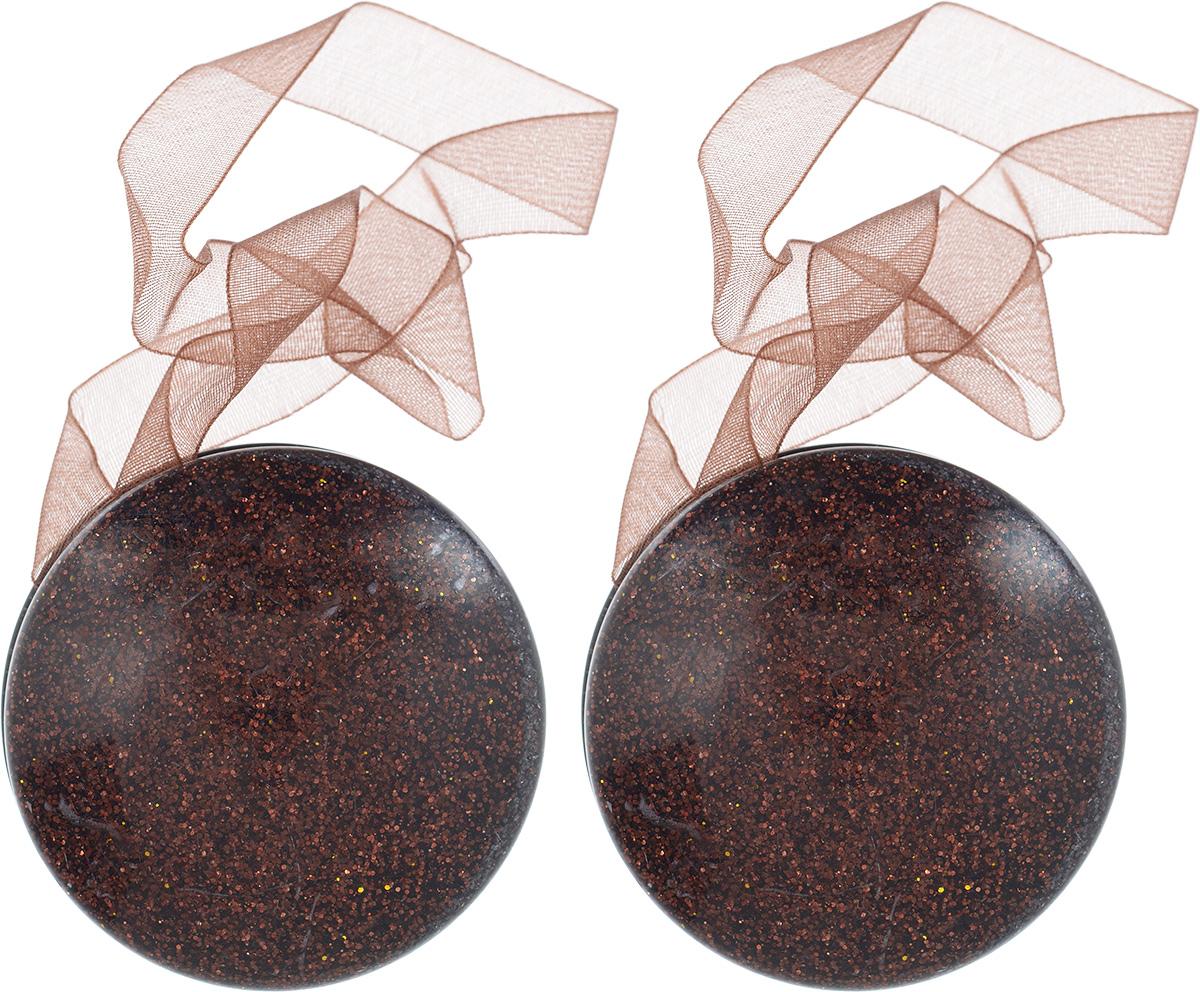 Подхват для штор Wehome, на магнитах, цвет: кофейный, диаметр 5 см, 2 шт7711300_кофейныйПодхват для штор Wehome, выполненный из пластика, можно использовать как держатель для штор или для формирования декоративных складок на ткани. С его помощью можно зафиксировать шторы или скрепить их, придать им требуемое положение, сделать симметричные складки. Благодаря магнитам подхват легко надевается и снимается.Подхват для штор является универсальным изделием, которое превосходно подойдет для любых видов штор. Подхваты придадут шторам восхитительный, стильный внешний вид и добавят уют в интерьер помещения.Длина подхвата: 35 см.Диаметр: 5 см.