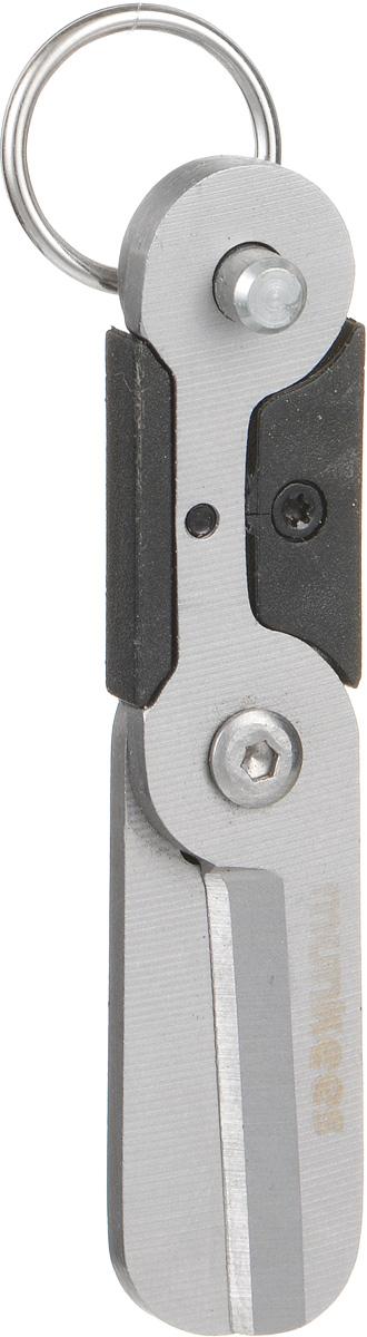 Брелок-ножницы Munkees Мини2501Прелесть ножниц Munkees Мини заключается в том, что они размером с большой палец руки. Изделие можно взять с собой куда угодно, а стальное кольцо позволяет подвесить их на ключи, пояс или рюкзак. А в режиме брелока ножницы никогда не раскроются без вашего ведома. Изделие выполнено из высококачественной стали. Ножницы острые, надежные, легкие и удобные.