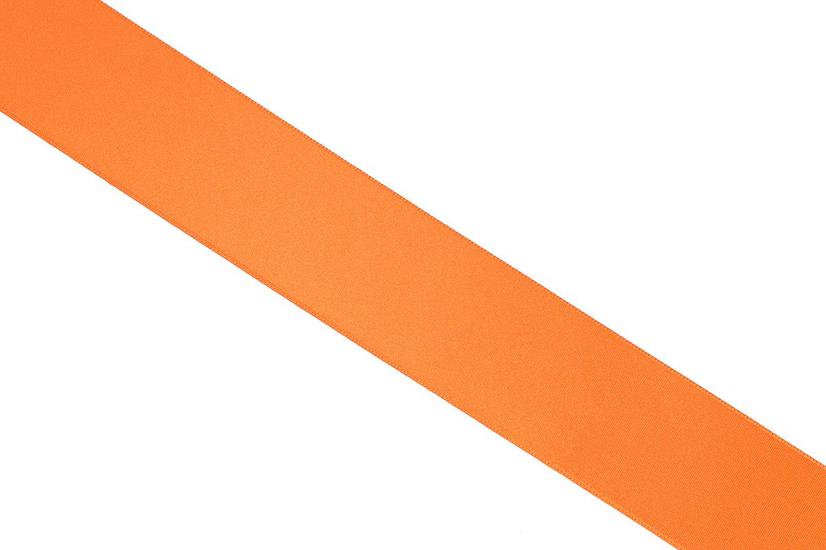 Лента атласная Prym, цвет: оранжевый, ширина 38 мм, длина 25 м695806_30Атласная лента Prym изготовлена из 100% полиэстера. Область применения атласной ленты весьма широка. Изделие предназначено для оформления цветочных букетов, подарочных коробок, пакетов. Кроме того, она с успехом применяется для художественного оформления витрин, праздничного оформления помещений, изготовления искусственных цветов. Ее также можно использовать для творчества в различных техниках, таких как скрапбукинг, оформление аппликаций, для украшения фотоальбомов, подарков, конвертов, фоторамок, открыток и многого другого.Ширина ленты: 38 мм.Длина ленты: 25 м.