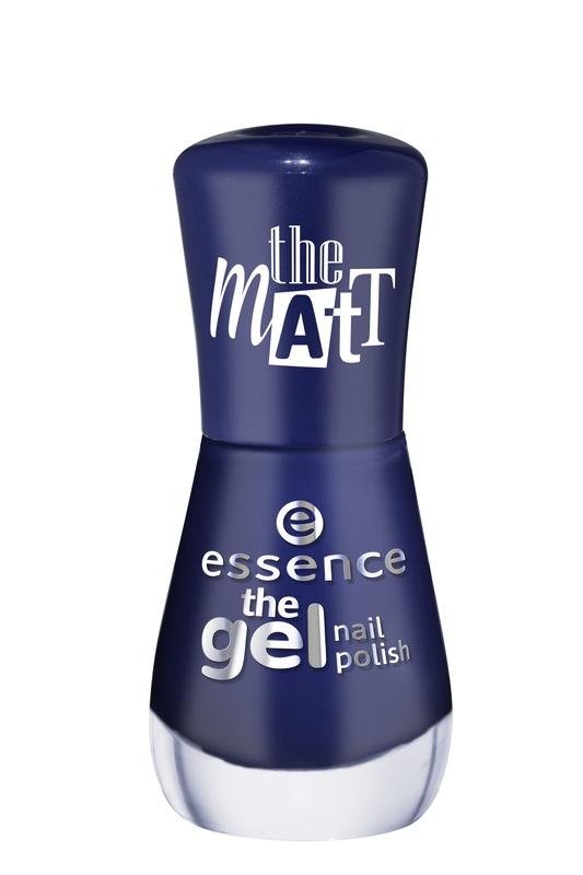 essence Лак для ногтей The gel nail темно-синий матовый эффект т.22, 8мл51208Лак для ногтей Gel Nail Polish, который совмещает в себе легкость нанесения и стойкий результат. Он на 60% превосходит по стойкости обычный лак для ногтей, дает максимальную защиту от сколов, длительный блеск, в то же время наносится так же легко, как и обычный лак, не требуя применения светодиодной или ультрафиолетовой лампы, а также легко удаляется с помощью жидкости для снятия лака.Инновационная технология с использованием ультратонких пигментов дает более интенсивный и стойкий цвет в сочетании с безупречным глянцевым блеском. Новые лаки для ногтей должны использоваться в сочетании с базовым слоем и верхним покрытием, все вместе давая отличный результат.Просто нанесите на ногти базовый слой и дайте ему полностью высохнуть, затем покрасьте ногти гелем для ногтей желаемого оттенка и тоже тщательно просушите. После этого нанесите верхнее защитное покрытие, и наслаждайтесь результатом! Легко удаляется с помощью обычного средства для снятия лака.Новые лаки для ногтей Essence Gel Nail Polish выпускаются в 46 оттенках с различными видами финишей — матовым, сатиновый, желе, мерцающий, переливающийся.Специально разработанная формула делает лак невероятно стойким и обеспечивает гелевый блеск маникюру. Инновационная технология делает цвет лака насыщенным, а нанесение легким и быстрым.