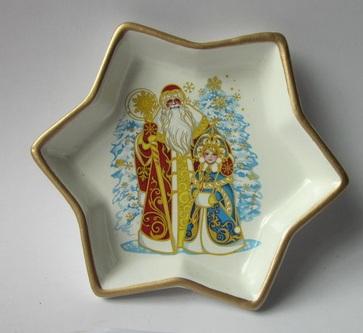 Декоративная тарелка-26074 (15х15х2,5см) (керамика)26074Декоративная тарелка-26074 (15х15х2,5см) (керамика)
