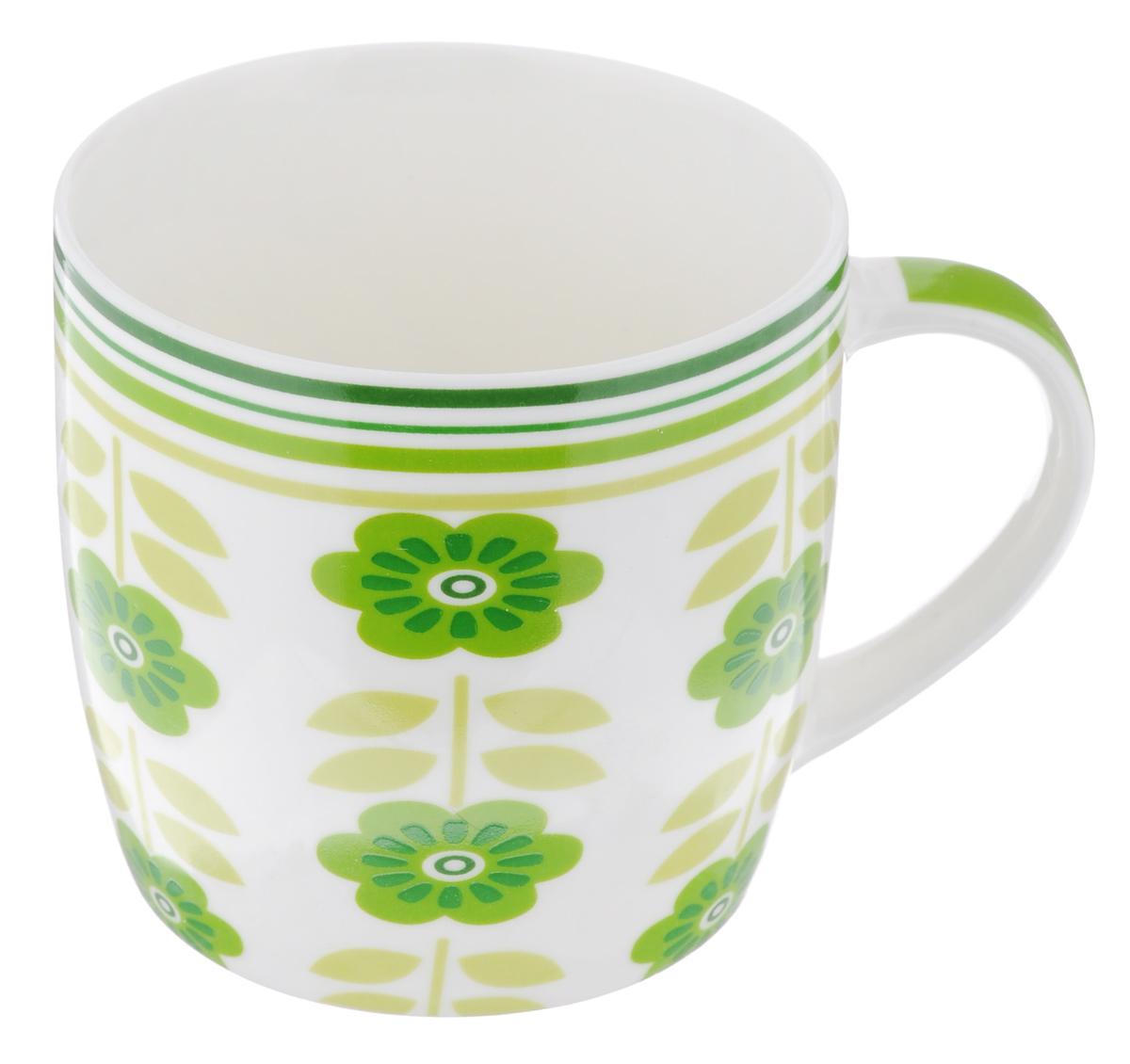 """Оригинальная кружка Loraine """"Зеленые цветы"""" выполнена из костяного фарфора и оформлена красочным рисунком. Она станет отличным дополнением к сервировке семейного стола и замечательным подарком для ваших родных и друзей."""