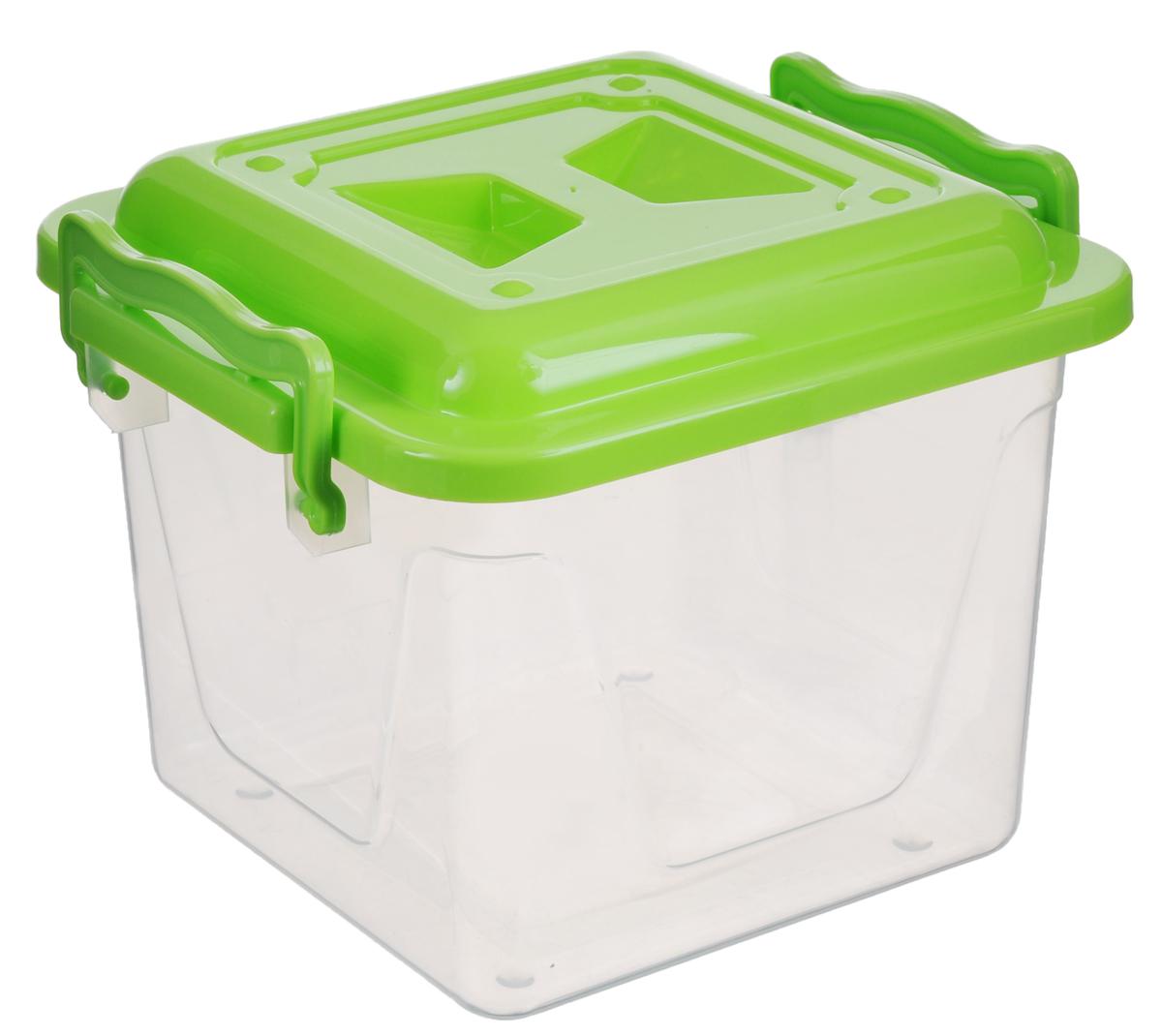 Контейнер Альтернатива, цвет: салатовый, прозрачный, 4 лМ1021_салатовый, прозрачныйКвадратный контейнер Альтернатива, выполненный из прочного пластика, предназначен для хранения различных бытовых вещей и продуктов. Он оснащен по бокам ручками, которые плотно закрывают крышку контейнера.Контейнер Альтернатива поможет хранить все в одном месте, а также защитит вещи от пыли, грязи и влаги.