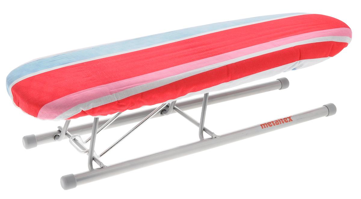 Нарукавник для гладильной доски Metaltex Jeannette, цвет: белый, красный, розовый, 41 х 12,5 х 11,5 см41.90.12Нарукавник для гладильной доски Metaltex Jeannette изготовлен из стали и обтянут хлопковым чехлом с поролоновой вставкой. Нарукавник представляет собой миниатюрную гладильную доску, который также складывается и используется для проглаживания рукавов или других трудно проглаживаемых частей одежды. Благодаря своему практичному рисунку нарукавник подойдет для любой гладильной доски. Размер в сложенном виде: 47 см х 12,5 см х 4,5 см. Размер рабочей поверхности: 41 см x 12,5 см. Высота нарукавника: 11,5 см.