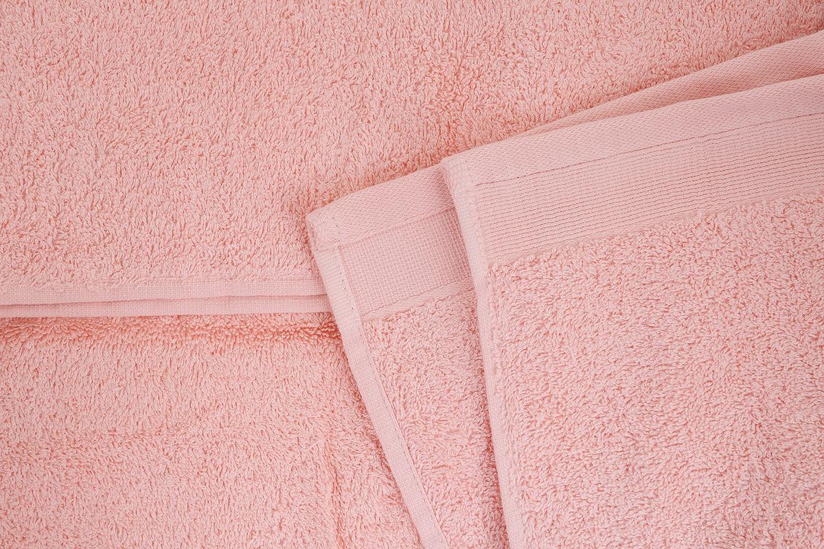 """Набор """"Guten Morgen"""" состоит из 4 махровых полотенец разного размера. Полотенца изготовлены из высококачественного хлопка, при производстве используются только безопасные красители.  Полотенца мягкие, приятные на ощупь, превосходно впитывают влагу, стойкие к истиранию цвета. Снабжены специальными петельками для подвешивания на крючок.  Такой набор полотенец - модное дополнение к любому декору ванной. Благодаря высокой плотности махры полотенца прослужат долгие годы, даря тепло и уют вам и вашим близким."""