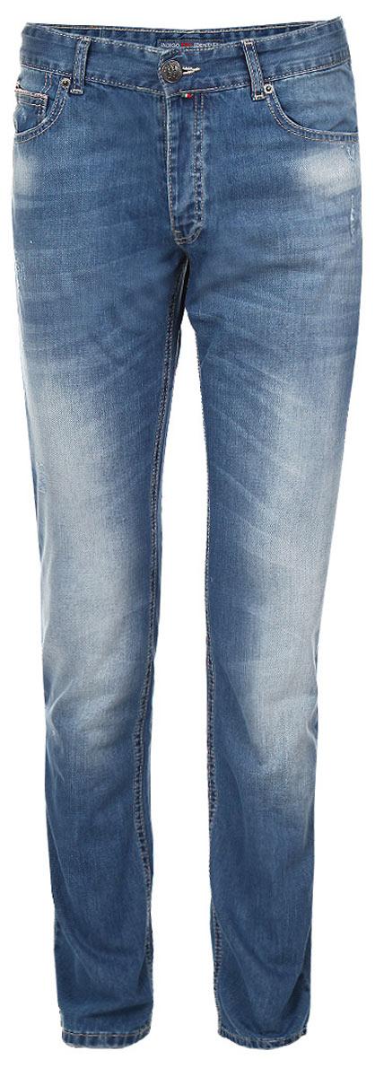 Джинсы мужские F5, цвет: синий. 09558. Размер 36-34 (50/52-34)09558Стильные мужские джинсы F5 - джинсы высочайшего качества на каждый день, которые прекрасно сидят. Модель прямого кроя и средней посадки изготовлена из высококачественного плотного хлопка. Джинсы не сковывают движения и дарят комфорт. Изделие оформлено тертым эффектом и перманентными складками. Застегиваются джинсы на пуговицу в поясе и ширинку на пуговицах, имеются шлевки для ремня. Спереди модель оформлена двумя втачными карманами и одним небольшим секретным кармашком, а сзади - двумя накладными карманами. Эти модные и в тоже время комфортные джинсы послужат отличным дополнением к вашему гардеробу. В них вы всегда будете чувствовать себя уютно и комфортно.