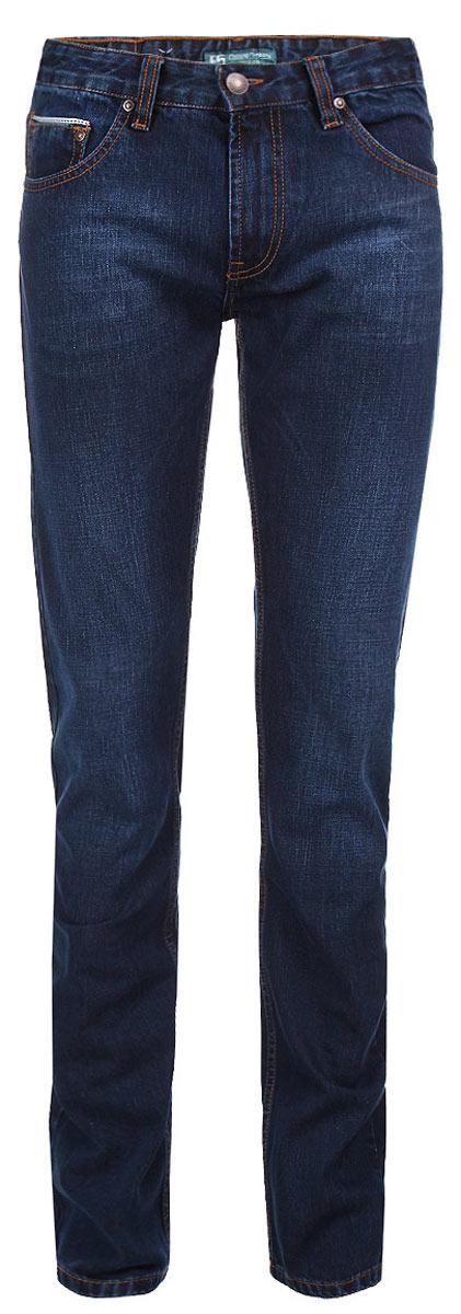 Джинсы мужские F5, цвет: темно-синий. 09506. Размер 32-34 (48-34)09506Стильные мужские джинсы F5 - джинсы высочайшего качества на каждый день, которые прекрасно сидят. Модель прямого кроя и средней посадки изготовлена из высококачественного плотного хлопка. Джинсы не сковывают движения и дарят комфорт. Изделие оформлено тертым эффектом и контрастной отстрочкой. Застегиваются джинсы на пуговицу в поясе и ширинку на молнии, имеются шлевки для ремня. Спереди модель оформлена двумя втачными карманами и одним небольшим секретным кармашком, а сзади - двумя накладными карманами. Задние карманы декорированы контрастной тесьмой. Эти модные и в тоже время комфортные джинсы послужат отличным дополнением к вашему гардеробу. В них вы всегда будете чувствовать себя уютно и комфортно.