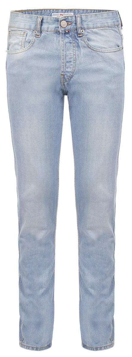 Джинсы мужские F5, цвет: голубой. 151291_09597. Размер 31-34 (46/48-34)09597Стильные мужские джинсы F5 - джинсы высочайшего качества на каждый день, которые прекрасно сидят. Модель прямого кроя и средней посадки изготовлена из высококачественного плотного хлопка. Джинсы не сковывают движения и дарят комфорт. Изделие оформлено тертым эффектом и контрастной отстрочкой. Застегиваются джинсы на пуговицу в поясе и ширинку на металлических пуговицах, имеются шлевки для ремня. Спереди модель оформлена двумя втачными карманами и одним небольшим секретным кармашком, а сзади - двумя накладными карманами. Эти модные и в тоже время комфортные джинсы послужат отличным дополнением к вашему гардеробу. В них вы всегда будете чувствовать себя уютно и комфортно.