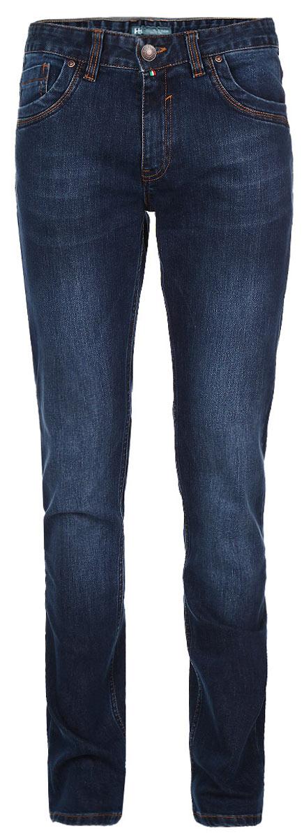 Джинсы мужские F5, цвет: синий. 09568. Размер 30-34 (46-34)09568Стильные мужские джинсы F5 - джинсы высочайшего качества на каждый день, которые прекрасно сидят. Модель прямого слегка зауженного кроя и средней посадки изготовлена из высококачественного плотного хлопка. Джинсы не сковывают движения и дарят комфорт. Изделие оформлено тертым эффектом и контрастной отстрочкой. Застегиваются джинсы на пуговицу в поясе и ширинку на молнии, имеются шлевки для ремня. Спереди модель оформлена двумя втачными карманами и одним небольшим секретным кармашком, а сзади - двумя накладными карманами. Эти модные и в тоже время комфортные джинсы послужат отличным дополнением к вашему гардеробу. В них вы всегда будете чувствовать себя уютно и комфортно.