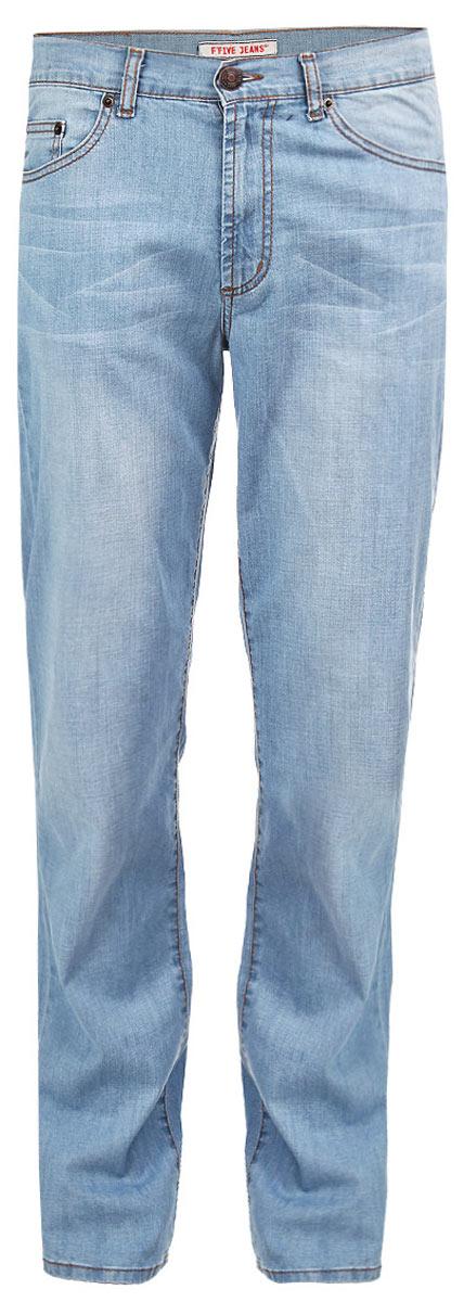 Джинсы мужские F5, цвет: голубой. 0965-M. Размер 40-34 (54/56-34)0965-MСтильные мужские джинсы F5 - джинсы высочайшего качества на каждый день, которые прекрасно сидят. Модель прямого кроя и средней посадки изготовлена из высококачественного плотного хлопка с небольшим добавлением эластана. Джинсы не сковывают движения и дарят комфорт. Изделие оформлено контрастной отстрочкой и тертым эффектом. Застегиваются джинсы на пуговицу в поясе и ширинку на молнии, имеются шлевки для ремня. Спереди модель оформлена двумя втачными карманами и одним небольшим секретным кармашком, а сзади - двумя накладными карманами. Эти модные и в тоже время комфортные джинсы послужат отличным дополнением к вашему гардеробу. В них вы всегда будете чувствовать себя уютно и комфортно.
