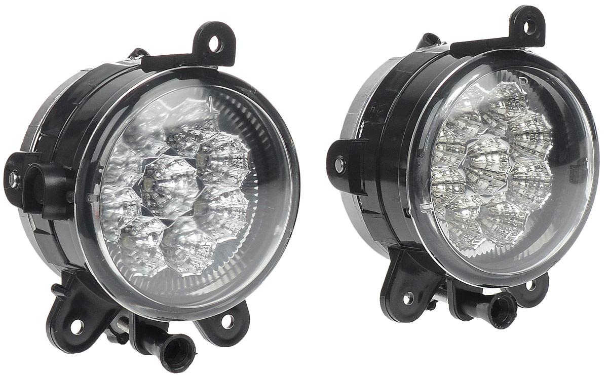 Противотуманные светодиодные фары AVS PF-315L, для Lada Priora, 2 шт43182В тяжелых метеоусловиях, таких как: туман, дождь или снегопад, свет от обычных фар автомобиля, а точнее лучи ближнего и особенно дальнего света, отражаясь и рассеиваясь от мельчайших капель воды и снежинок, создают полупрозрачную пленку, которая уменьшает видимость. Противотуманные фары AVS PF-315L дают плоский и широкий горизонтальный луч, который стелется непосредственно над дорогой, чтобы не освещать толщу тумана по высоте.Напряжение: 12 В.Мощность: 0,1 Вт на каждый светодиод.Диапазон рабочей температуры: от -40°С до +85°С.Температура свечения: 6000 К.Световой поток: 60 Лм.IP защита: 54.Диаметр фар: 90 мм.Количество светодиодов: 9.Цвет: белый.