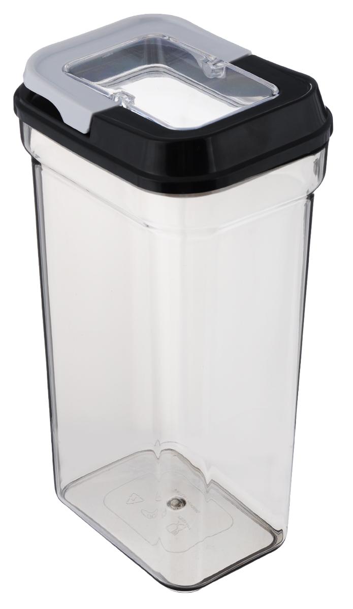 Контейнер для сыпучих продуктов Nadoba Svatava, 1,7 л741311Контейнер для сыпучих продуктов Nadoba Svatava изготовлен из высококачественного пищевого пластика. Изделие прозрачное, что позволяет видеть содержимое, это очень удобно и практично. Специальная крышка с силиконовым уплотнителем надежно закрывается, предотвращая попадание влаги. Контейнер очень вместителен, в нем можно хранить макароны, крупы и другие сыпучие продукты, а также печенье или конфеты. Идеальный вариант для поддержания порядка на кухне.