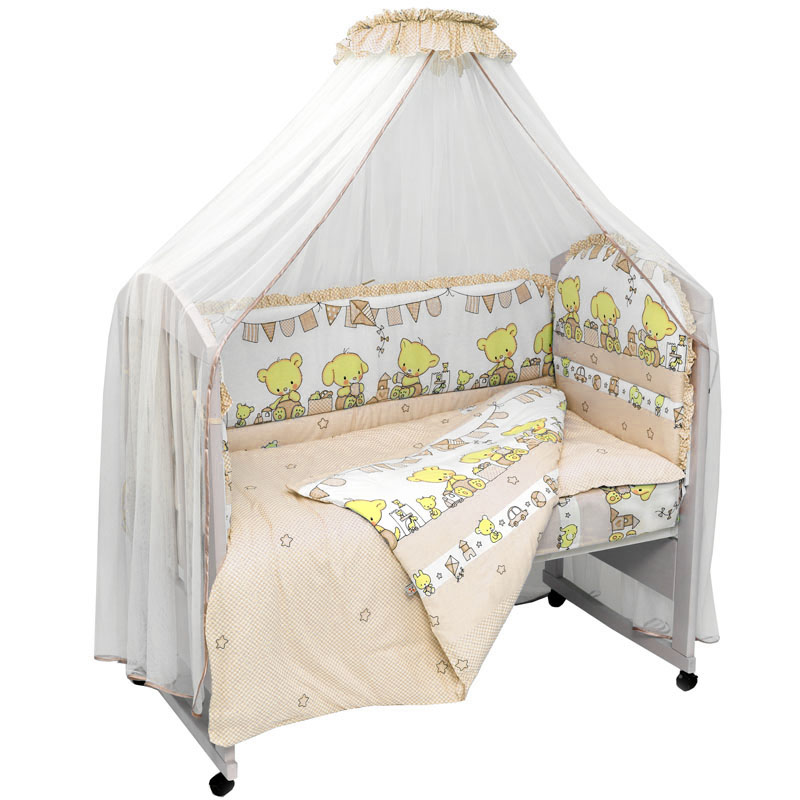 Комплект постельного белья из 7 предметов включает все необходимые элементы для детской кроватки.Комплект создает для Вашего ребенка уют, комфорт и безопасную среду с рождения; современный дизайн и цветовые сочетания помогают ребенку адаптироваться в новом для него мире. Комплекты «Топотушки» хорошо вписываются в интерьер как детской комнаты, так и спальни родителей.Как и все изделия «Топотушки» данный комплект отражает самые последние технологии, является безопасным для малыша и экологичным. Российское происхождение комплекта гарантирует стабильно высокое качество, соответствие актуальным пожеланиям потребителей, конкурентоспособную цену.  Балдахин 5м (сетка); охранный бампер 360х50см. (из 4-х частей, наполнитель – холлофайбер); подушка 40х60см. (наполнитель – холлофайбер); одеяло 140х110см. (наполнитель – холлофайбер); наволочка 40х60см; пододеяльник 147х112см; простынь на резинке 120х60см