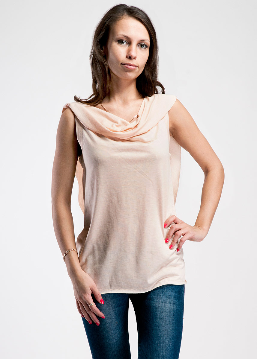 Блуза Cathrine Hammel, цвет: бежевый. 52.13. Размер L (48/50)52.13Оригинальная блуза Cathrine Hammel создана, чтобы сыграть выигрышную партию в повседневном гардеробе.Очаровательная блуза с воротником-хомутом выполнена из вискозы.В такой оригинальной блузе вы будете чувствовать себя уютно и комфортно и всегда будете в центре внимания!