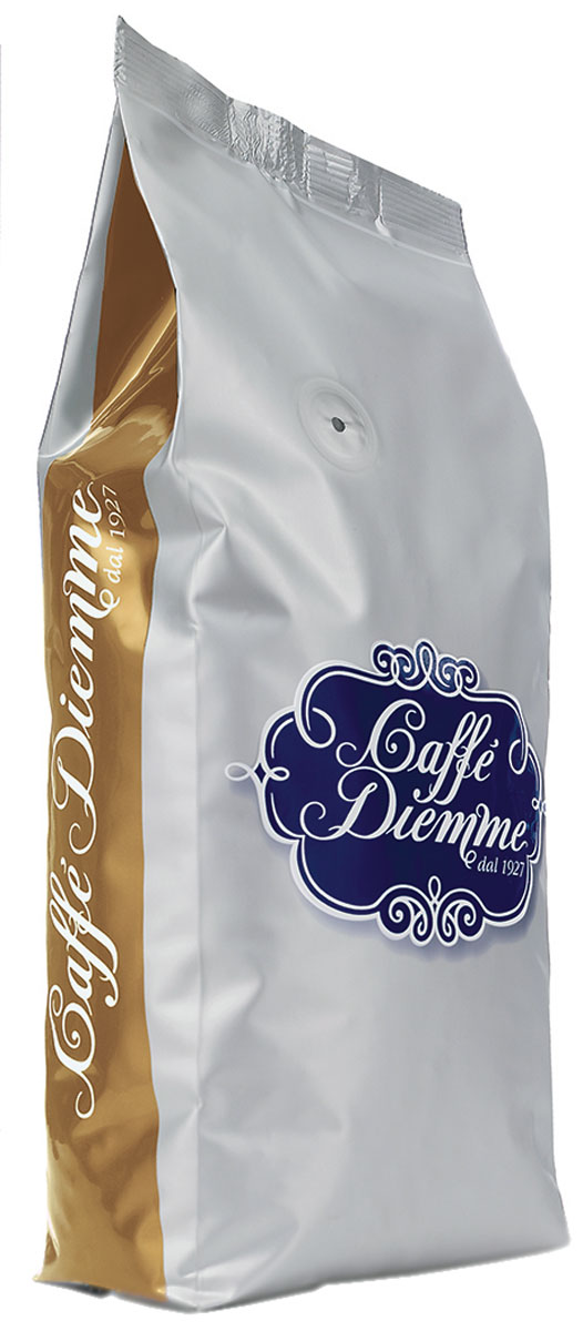 Diemme Caffe Miscela Oro кофе в зернах, 1 кг8003866116023Diemme Caffe Miscela Oro - эталон высшего качества настоящего эспрессо. Богатый глубокий вкус с легким шоколадным оттенком получен в результате купажирования лучших сортов Арабики из Центральной, Южной Америки и Африки.