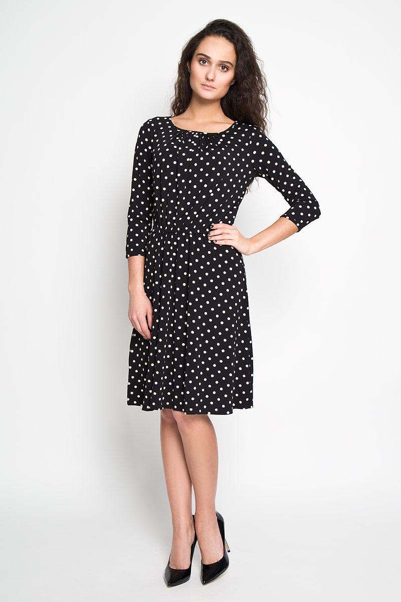 Платье Sela, цвет: черный. DK-117/699-6191. Размер S (44)DK-117/699-6191Элегантное платье Sela выполнено из высококачественного эластичного полиэстера. Такое платье обеспечит вам комфорт и удобство при носке.Модель с рукавами 3/4 и круглым вырезом горловины выгодно подчеркнет все достоинства вашей фигуры благодаря слегка приталенному силуэту. Платье имеет эластичную резинку на поясе. Изделие украшено принтом в горох. Изысканное платье-миди создаст обворожительный и неповторимый образ.Это модное и удобное платье станет превосходным дополнением к вашему гардеробу, оно подарит вам удобство и поможет вам подчеркнуть свой вкус и неповторимый стиль.