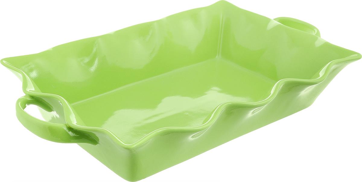 Форма для выпечки Frybest Provance, прямоугольная, цвет: зеленый, 45 х 26 х 8 смPROV-45P ProvanceПрямоугольная форма для выпечки Frybest Provance изготовлена из экологически чистой глазурованной керамики, не выделяет вредных химических веществ во время готовки. Форма равномерно нагревается и долго сохраняет тепло, за счет чего блюда получаются изумительно нежными и сочными и сохраняют все витамины и микроэлементы. 180°С - оптимальная температура для медленного томления.Форма имеет волнистые края, высокие стенки и две удобные ручки. Идеально подходит для семейных ужинов и праздников, эта форма станет хорошим украшением стола - готовое блюдо не нужно перекладывать в другую посуду. Форма подходит для приготовления блюд в духовке (до 180°С) и микроволновой печи, можно мыть в посудомоечной машине. Внутренний размер формы: 40 х 26 см. Размер формы (с учетом ручек): 45 х 26 см. Высота стенки: 8 см.
