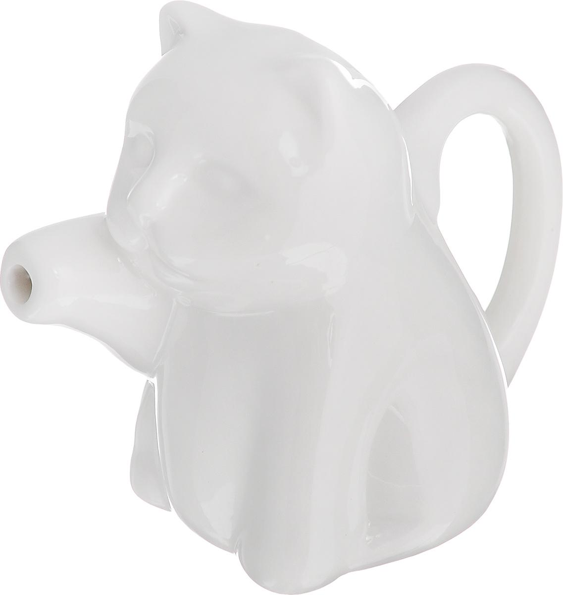 """Молочник Walmer """"Саt"""", изготовленный из высококачественного фарфора, предназначен для  подачи сливок, соуса и молока.  Изящный, но в тоже время простой дизайн молочника, станет прекрасным украшением стола.   Размер молочника: 9 х 5 х 7,5 см."""