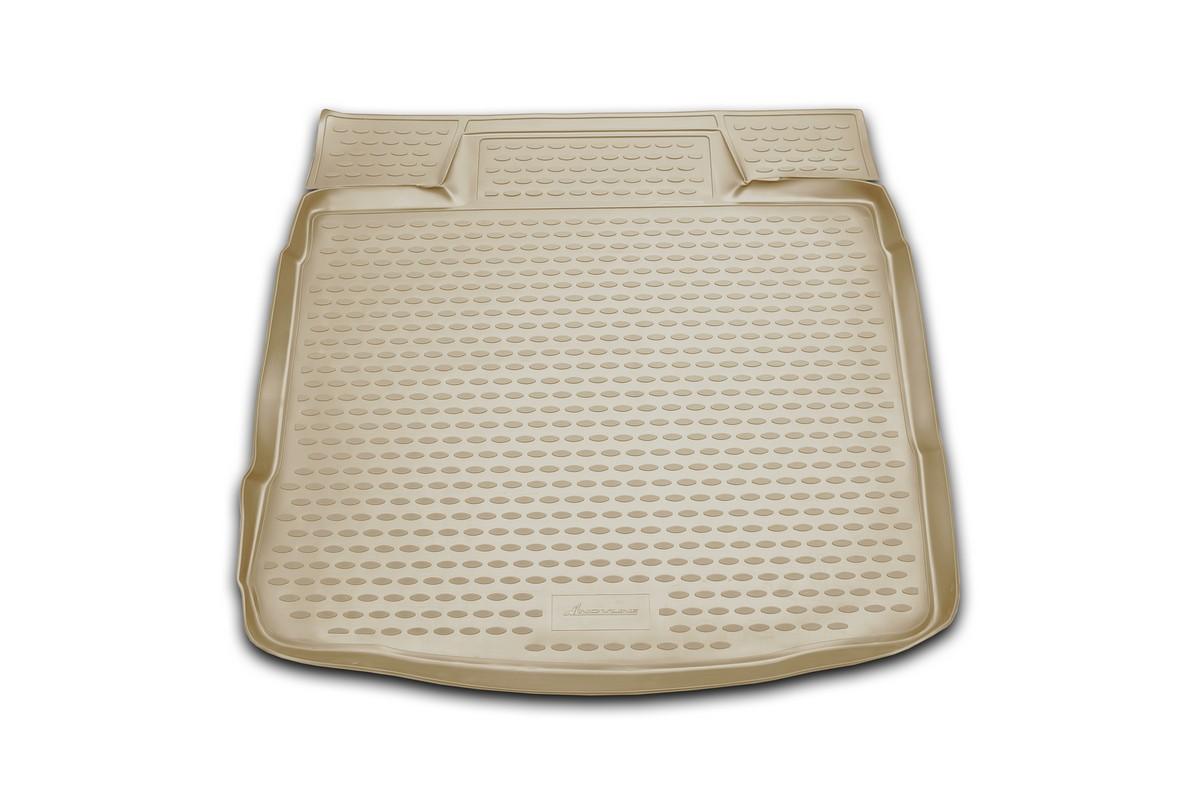 Коврик в багажник VOLVO XC60 2007->, кросс. (полиуретан, бежевый)NLC.50.09.B12bАвтомобильный коврик в багажник позволит вам без особых усилий содержать в чистоте багажный отсек вашего авто и при этом перевозить в нем абсолютно любые грузы. Этот модельный коврик идеально подойдет по размерам багажнику вашего авто. Такой автомобильный коврик гарантированно защитит багажник вашего автомобиля от грязи, мусора и пыли, которые постоянно скапливаются в этом отсеке. А кроме того, поддон не пропускает влагу. Все это надолго убережет важную часть кузова от износа. Коврик в багажнике сильно упростит для вас уборку. Согласитесь, гораздо проще достать и почистить один коврик, нежели весь багажный отсек. Тем более, что поддон достаточно просто вынимается и вставляется обратно. Мыть коврик для багажника из полиуретана можно любыми чистящими средствами или просто водой. При этом много времени у вас уборка не отнимет, ведь полиуретан устойчив к загрязнениям.Если вам приходится перевозить в багажнике тяжелые грузы, за сохранность автоковрика можете не беспокоиться. Он сделан из прочного материала, который не деформируется при механических нагрузках и устойчив даже к экстремальным температурам. А кроме того, коврик для багажника надежно фиксируется и не сдвигается во время поездки — это дополнительная гарантия сохранности вашего багажа.