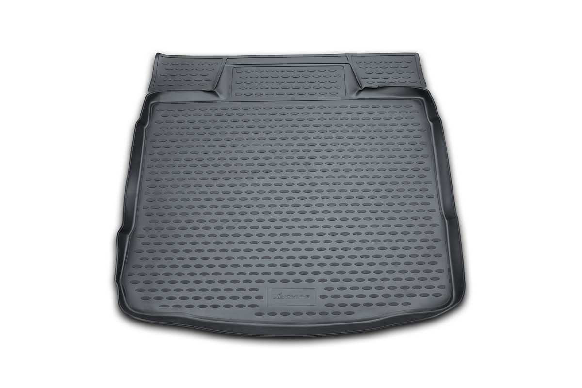 Коврик в багажник автомобиля Novline-Autofamily для VW Golf VI, 04/2009 -NLC.51.26.B11gАвтомобильный коврик в багажник позволит вам без особых усилий содержать в чистоте багажный отсек вашего авто и при этом перевозить в нем абсолютно любые грузы. Такой автомобильный коврик гарантированно защитит багажник вашего автомобиля от грязи, мусора и пыли, которые постоянно скапливаются в этом отсеке. А кроме того, поддон не пропускает влагу. Все это надолго убережет важную часть кузова от износа. Мыть коврик для багажника из полиуретана можно любыми чистящими средствами или просто водой. При этом много времени уборка не отнимет, ведь полиуретан устойчив к загрязнениям.Если вам приходится перевозить в багажнике тяжелые грузы, за сохранность автоковрика можете не беспокоиться. Он сделан из прочного материала, который не деформируется при механических нагрузках и устойчив даже к экстремальным температурам. А кроме того, коврик для багажника надежно фиксируется и не сдвигается во время поездки - это дополнительная гарантия сохранности вашего багажа.