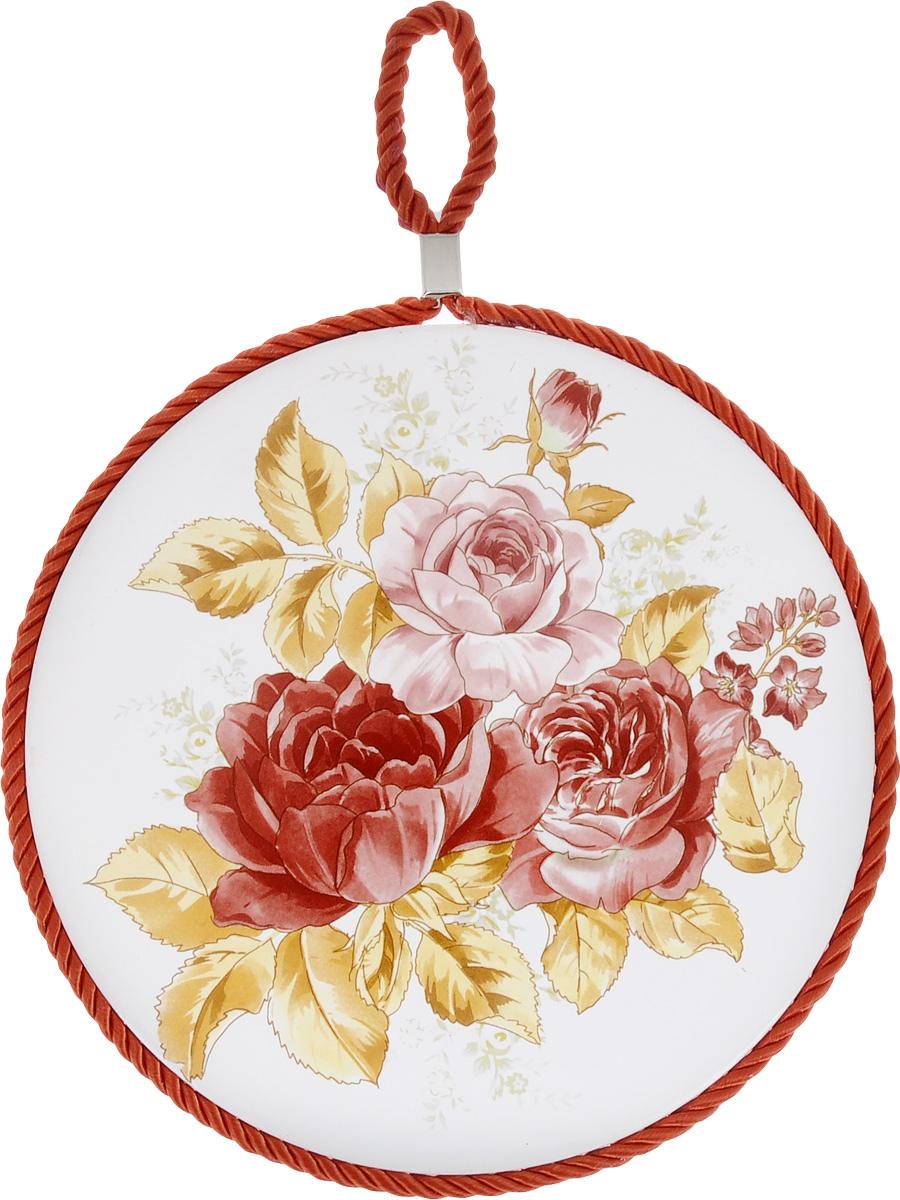 Подставка под горячее Loraine Розы, диаметр 17 см24551Подставка под горячее Loraine Розы, выполненная из высококачественной керамики, идеально подойдет для предохранения вашего стола от воздействия высоких температур. Изделие декорировано цветным шнурком с петелькой для подвешивания. Дно, выполненное из пробки, не даст подставке скользить по поверхности стола. Такая подставка украсит интерьер вашей кухни и подчеркнет прекрасный вкус хозяина, а также станет отличным подарком. Размеры подставки: 17 см х 17 см х 1 см.