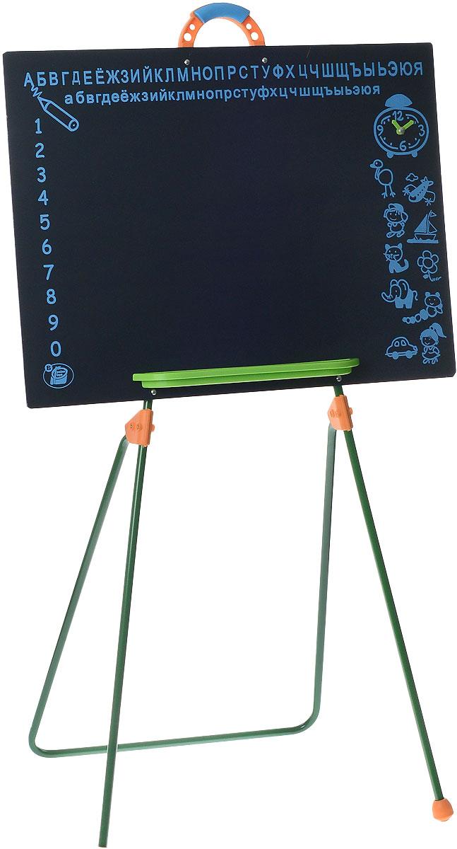 Palau Toys Игровая школьная доска на ножках высота 100 см07/50013Игровая школьная доска на ножках Palau Toys предлагает ребенку большой выбор развлечений.С ней легко начать любимую детскую ролевую игру в школу. На доске интересно писать и рисовать мелками. Одновременно с игрой ребенок учится считать и писать. Для того, чтобы упростить и разнообразить процесс обучения, на доске сверху нанесены буквы русского алфавита, слева - цифры, а справа - различные рисунки и будильник со стрелками. Внизу предусмотрена небольшая полочка для мелков. Наверху имеется ручка для удобства переноски. Доска устанавливается на металлические ножки.