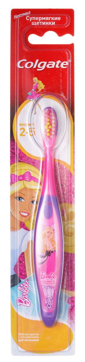 Colgate Зубная щетка Barbie/Spiderman детская от 2 до 5 лет супермягкие, цвет: розовый фиолетовый0.2060Детская зубная щетка Colgate идеально подходит для развития навыков гигиены полости рта, а благодаря яркому, привлекательному дизайну зубной щетки ежедневная чистка зубов станет удовольствием для вашего ребенка. На щетке есть специальная подушечка для чистки языка, выполненная из мягкого материала. Окрашенная щетина в центре помогает определить рекомендованное количество зубной пасты. Маленькая овальная головка щетки, также разработанная из мягких материалов, защищает детские десна. Разноуровневые щетинки тщательно очищают как маленькие, так и большие зубы. Удобная ручка с упором для большого пальца не скользит, обеспечивая еще больший контроль.