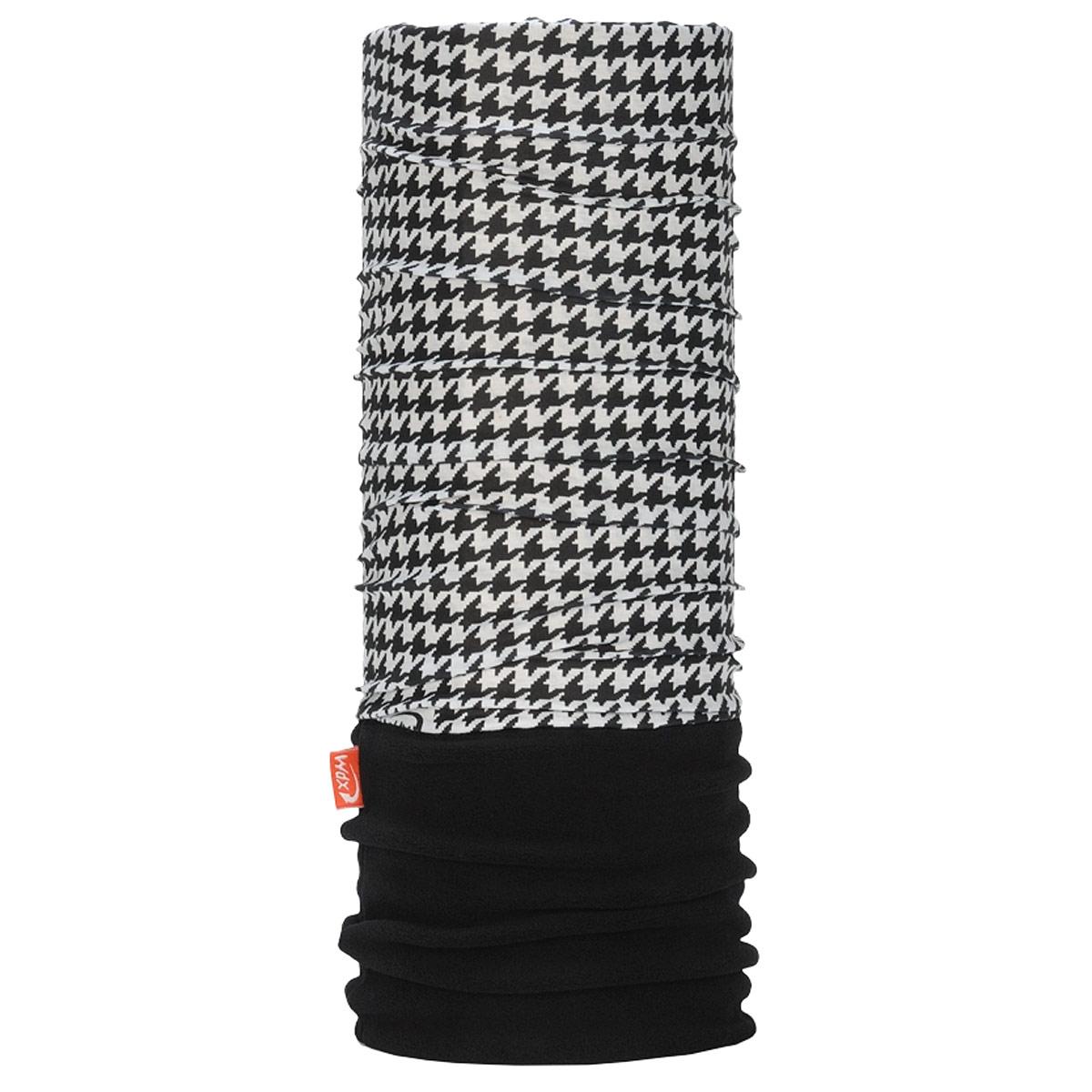 Бандана многофункциональная WindXtreme PolarWind, цвет: черный, белый. УТ-0000572102. Размер 53/62УТ-0000572102_CockМногофункциональный головной убор WindXtreme PolarWind - это очень современный предмет одежды, который защитит вас от самого лютого мороза благодаря комбинации ткани и флиса. Его можно использовать как: шарф, шейный платок, бандану, повязку, ленту для волос, балаклаву и шапку. Подходит для занятий бегом, походов, скалолазания, езды на велосипеде, сноуборда, катания на лыжах, мотоциклах, игры в хоккей, а так же для повседневного использования.Сочетание ткани и флиса Pilhot из микроволокна гарантируют дополнительные тепло и комфорт, отведение влаги, быстрое высыхание, очень эластичны, принимают практически любую форму. Обладает антибактериальным эффектом.Уважаемые клиенты!Размер, доступный для заказа, является обхватом головы.
