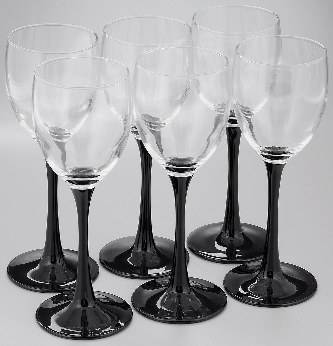Набор фужеров Luminarc Domino, 190 мл, 6 штJ0042Набор Luminarc Domino состоит из шести фужеров, выполненных из прочного стекла. Изделия оснащены высокими ножками и предназначены для подачи вина. Они сочетают в себе элегантный дизайн и функциональность. Набор фужеров Luminarc Domino прекрасно оформит праздничный стол и создаст приятную атмосферу за романтическим ужином. Такой набор также станет хорошим подарком к любому случаю. Можно мыть в посудомоечной машине.Диаметр фужера (по верхнему краю): 6 см. Высота фужера: 18,5 см.Диаметр основания: 7 см.