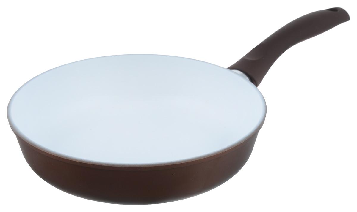 Сковорода Ecoway Горячий шоколад, с керамическим покрытием. Диаметр 24 см201124Сковорода Ecoway Горячий шоколад изготовлена из литого алюминия с немецким керамическим противопригарным покрытием. Оно не выделяет вредных веществ даже при температуре 400°С, отличается экологичностью, так как не содержит вредных примесей PFOA и PTFE. Пища, приготовленная в этой сковороде, имеет удивительный вкус. Благодаря качественному керамическому покрытию пища поджарится, но не пригорит. Литой корпус с утолщенным дном позволит готовить при правильных температурах (не выше 250°С), а значит, блюдо будет сочным и богатым витаминами. При приготовлении можно использовать металлические аксессуары. Удобная ручка выполнена из бакелита с покрытием Soft-touch. Подходит для стеклокерамических, электрических и газовых плит. Диаметр: 24 см. Высота стенки: 6,8 см. Толщина стенки: 4 мм. Толщина дна: 6 мм. Длина ручки: 19 см.