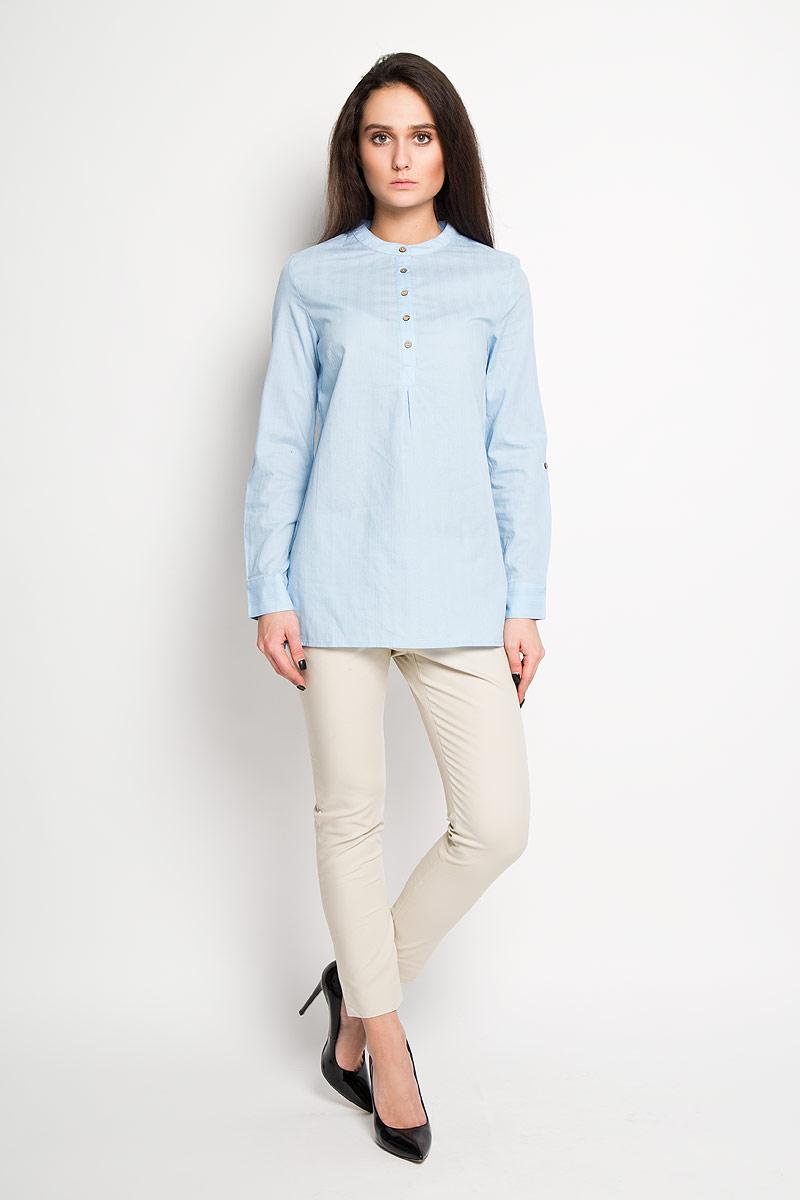 Блузка женская Sela, цвет: голубой. TKw-112/1033-6171. Размер 44TKw-112/1033-6171Стильная женская блуза Sela, выполненная из 100% хлопка, подчеркнет ваш уникальный стиль и поможет создать оригинальный женственный образ.Элегантная удлиненная блузка с длинными рукавами и круглым вырезом горловины застегивается на пуговицы на груди. Манжеты рукавов также застегиваются на пуговицы. Такая блузка идеально подойдет для жарких летних дней. Такая блузка будет дарить вам комфорт в течение всего дня и послужит замечательным дополнением к вашему гардеробу.